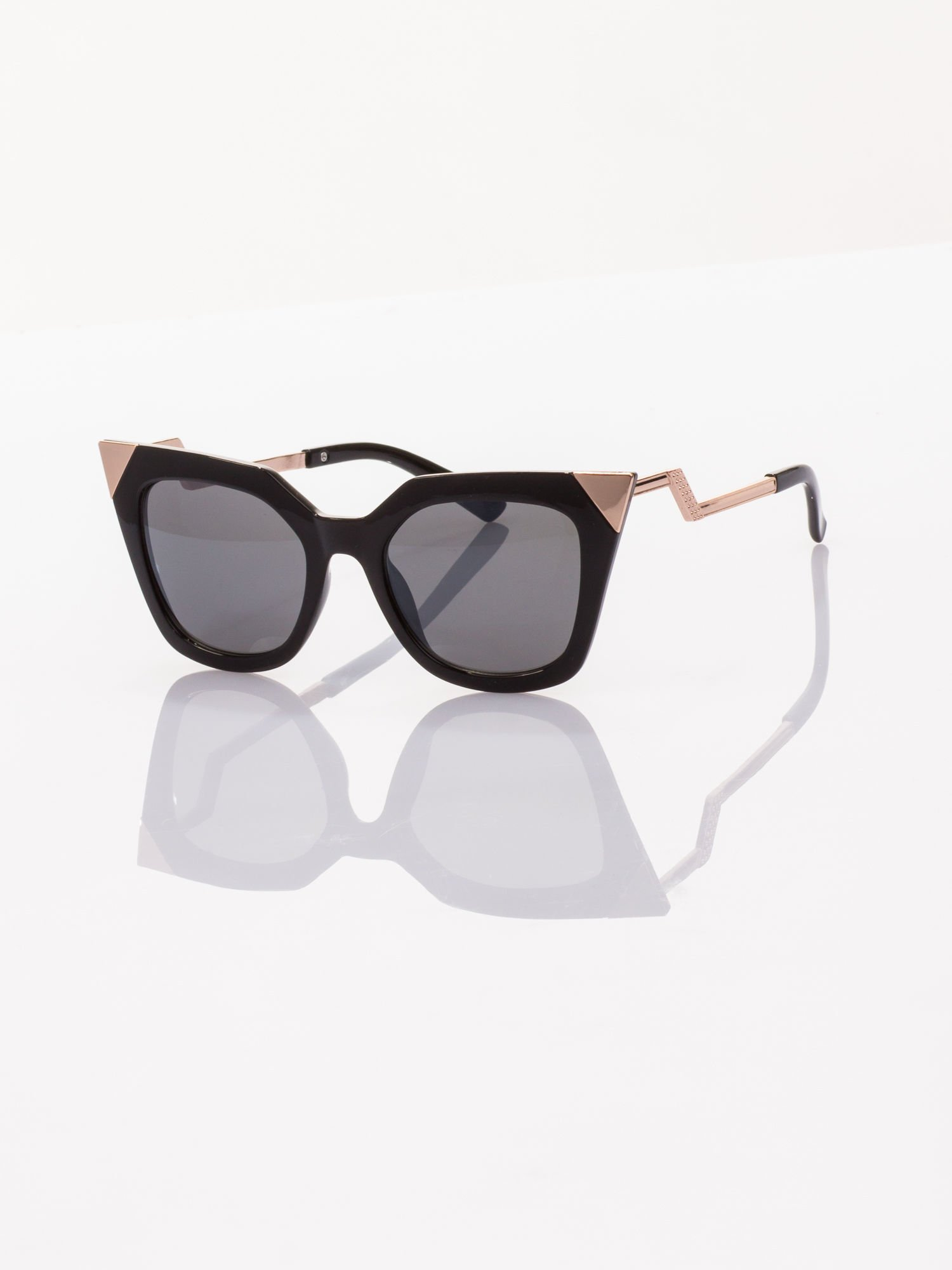 Czarne okulary FASHION przeciwsłoneczne KOCIE OCZY stylizowane na FENDI                                  zdj.                                  1