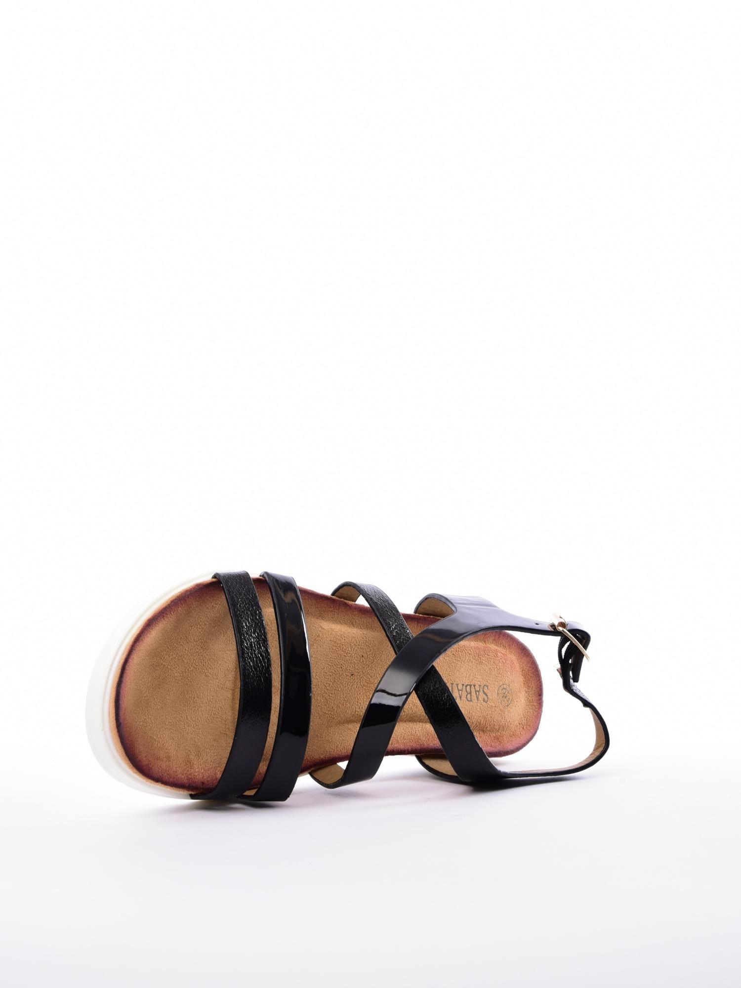 8044ab0e Czarne sandały SABATINA z lakierowanym paskiem - Buty Sandały ...