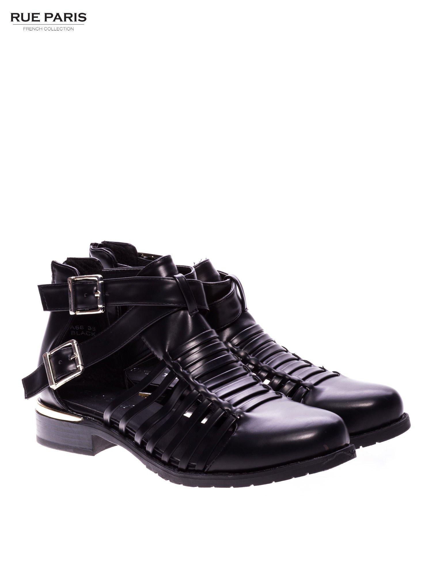 Czarne sandały cut out z klamerkami i złotym obcasem                                  zdj.                                  2