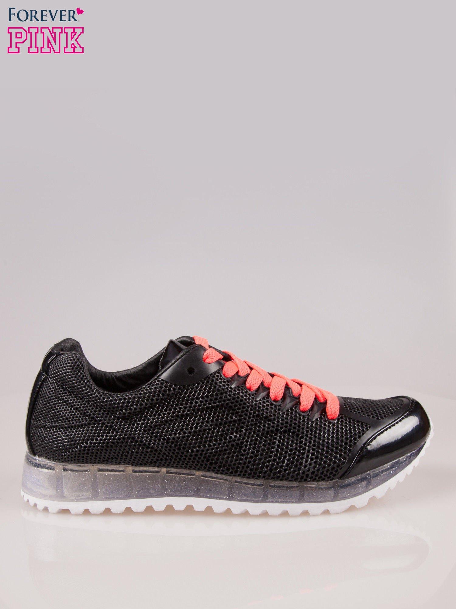 Czarne siateczkowe buty sportowe damskie na rowkowanej podeszwie                                  zdj.                                  1