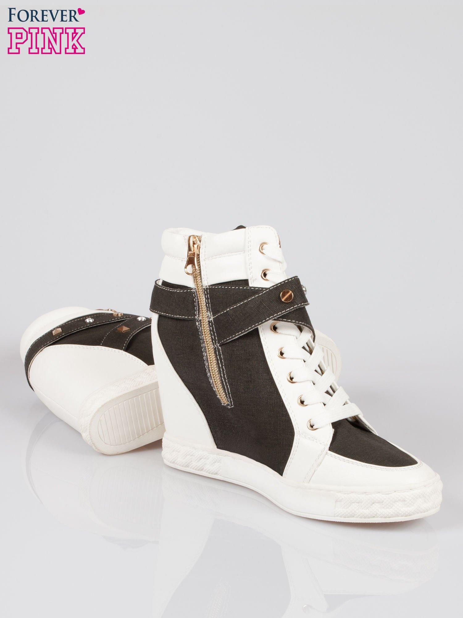Czarne sneakersy z dżetami i suwakiem                                  zdj.                                  4
