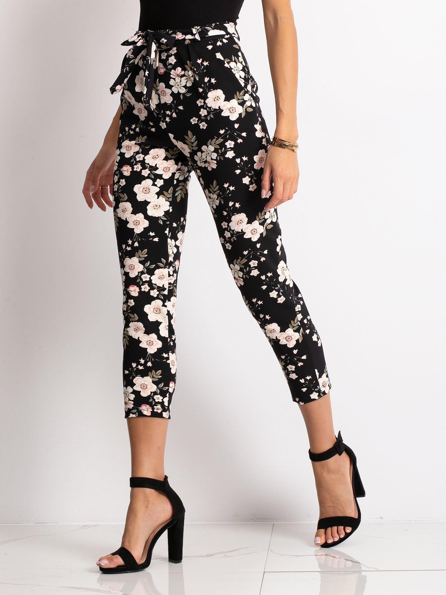 b31155ad Czarne spodnie materiałowe w kwiaty