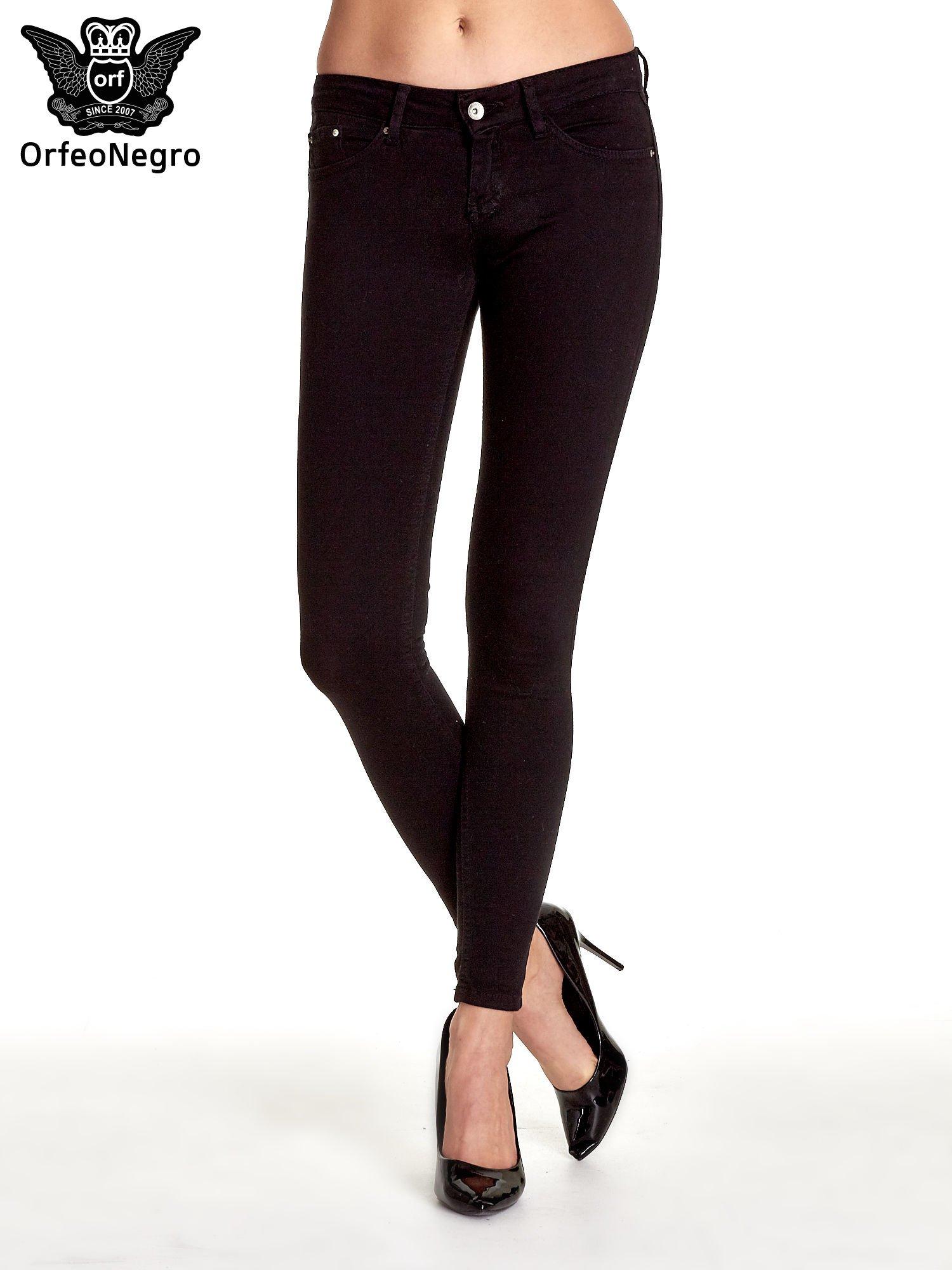 Czarne spodnie typu skinny z elastycznego materiału                                  zdj.                                  1