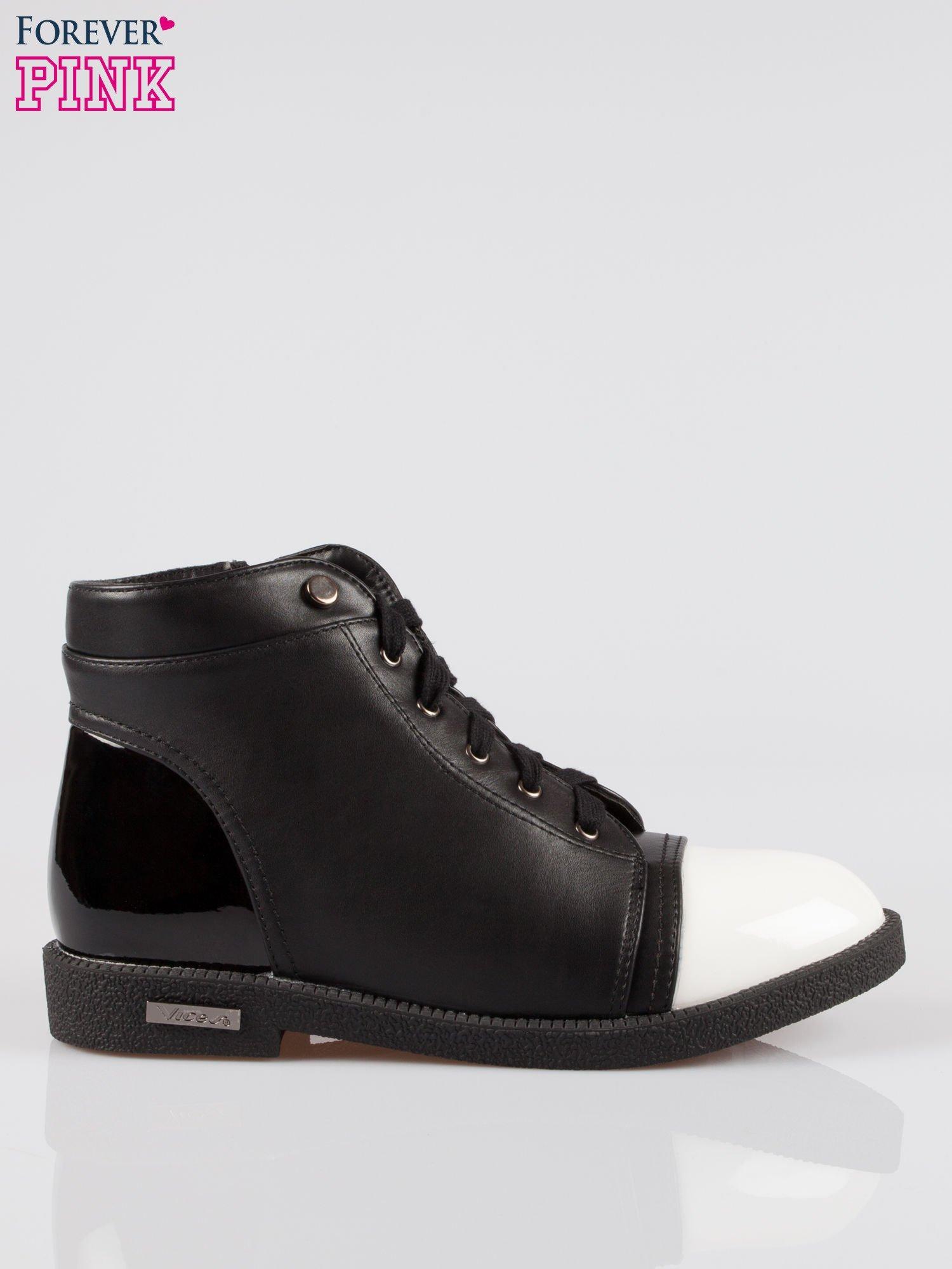 Czarne sznurowane botki damskie white cap toe                                  zdj.                                  1
