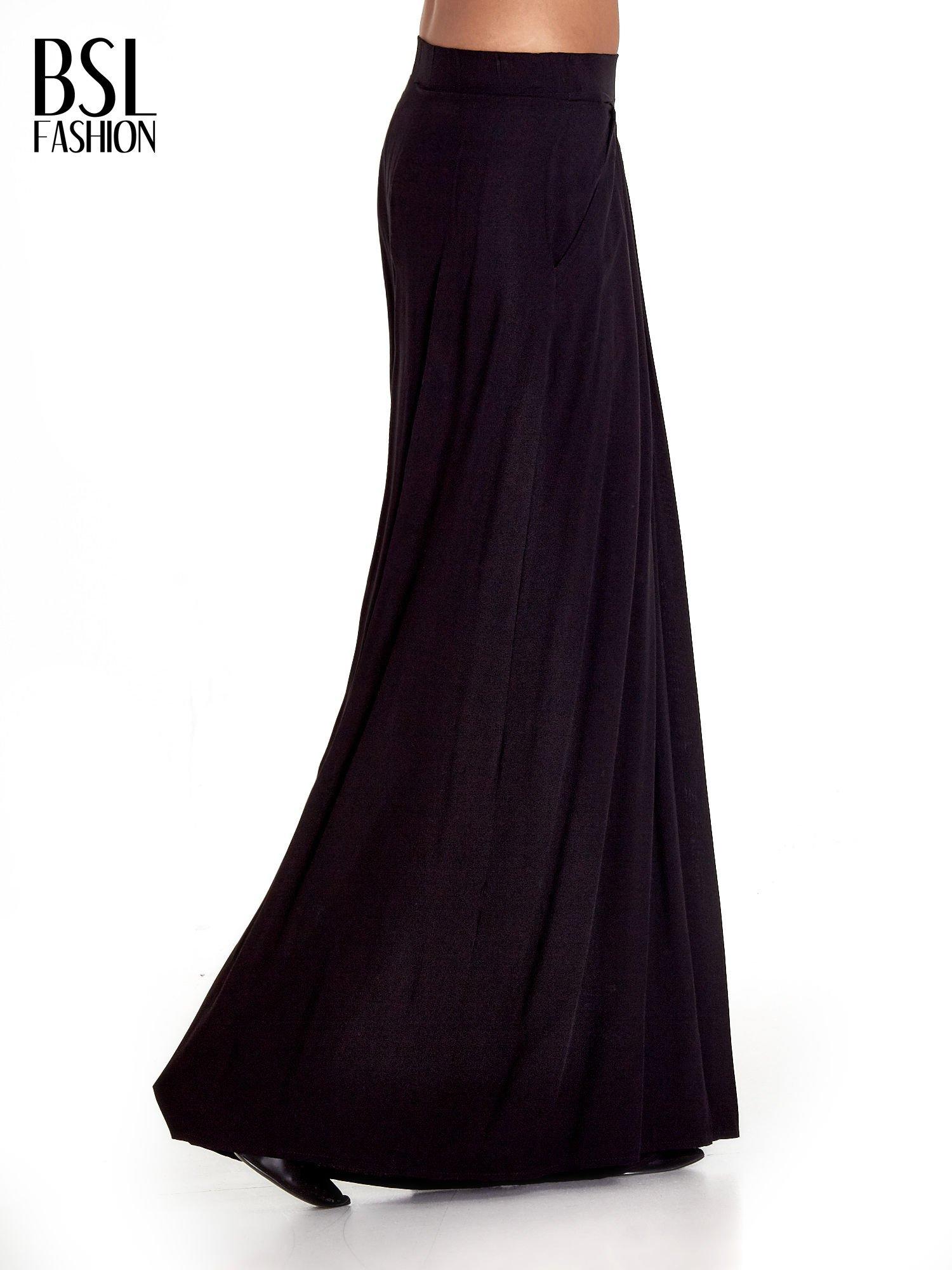 Czarne zwiewne spodnie typu culottes                                  zdj.                                  3