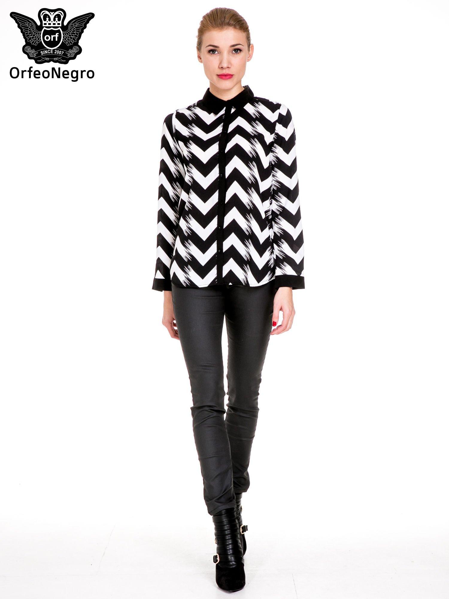 Czarno-biała koszula w geometryczny wzór                                  zdj.                                  2