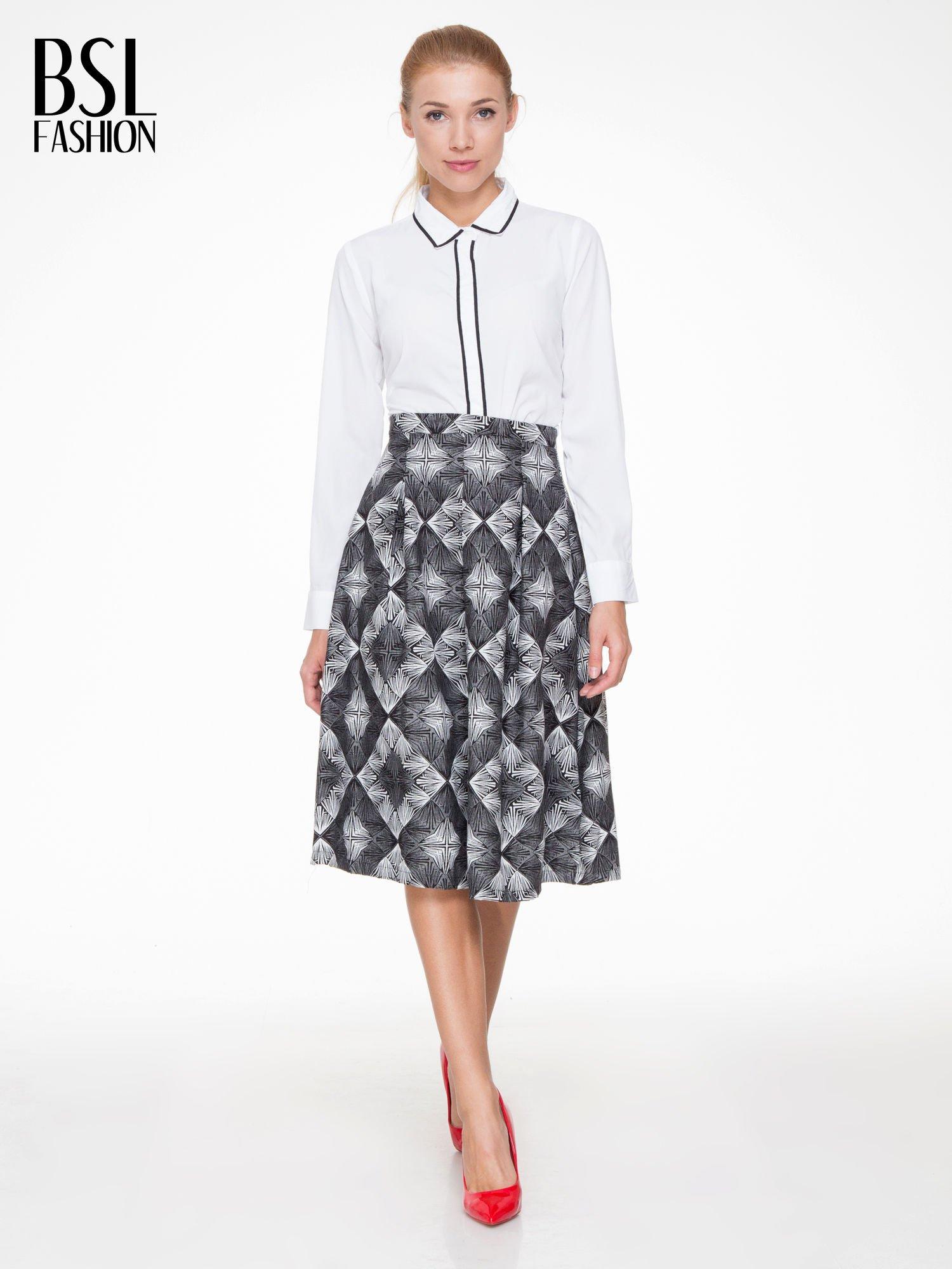 Czarno-biała rozkloszowa spódnica midi w ornamentowy wzór II                                  zdj.                                  2