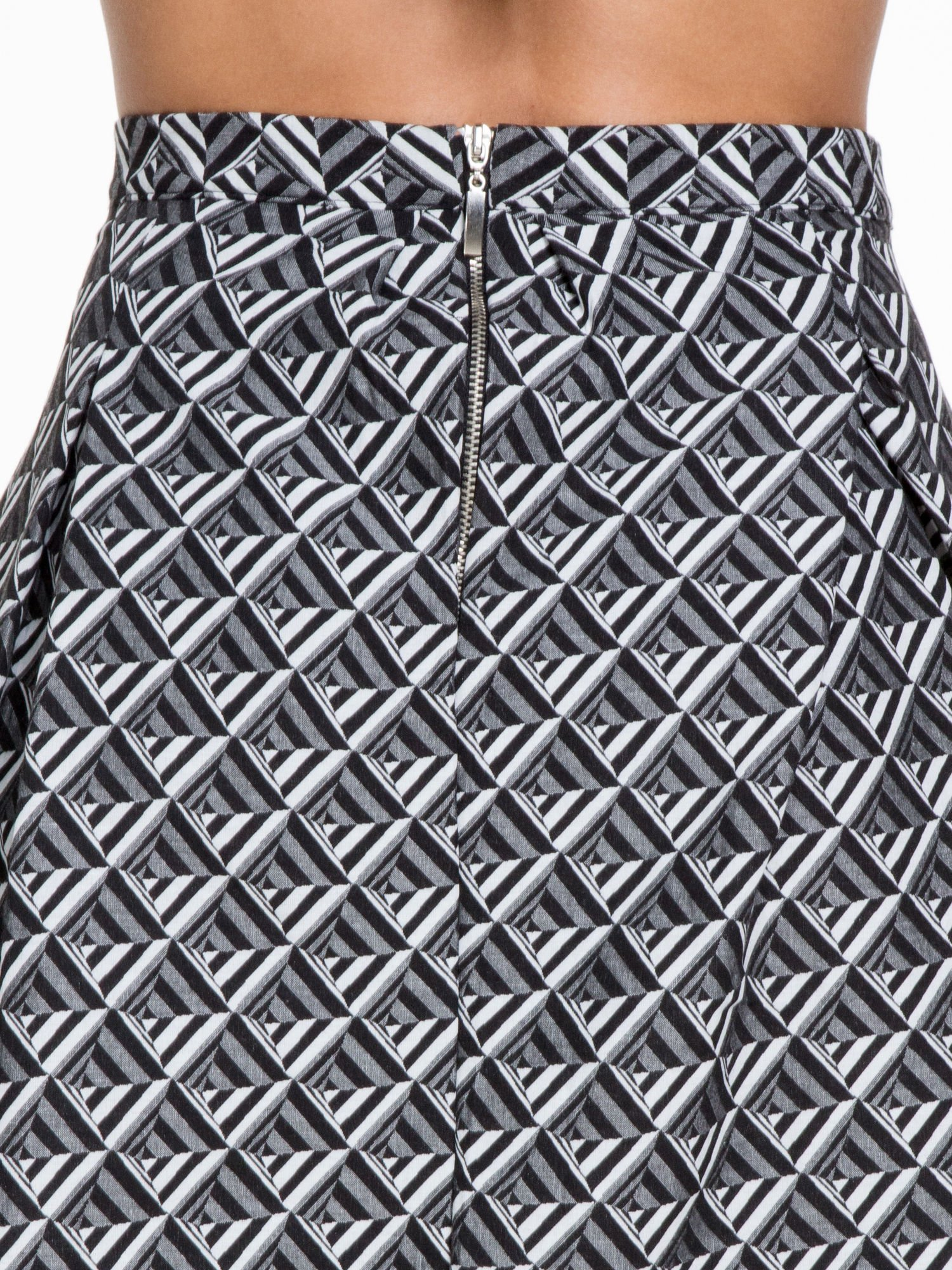Czarno-biała spódnica midi w geometryczny wzór I                                  zdj.                                  6