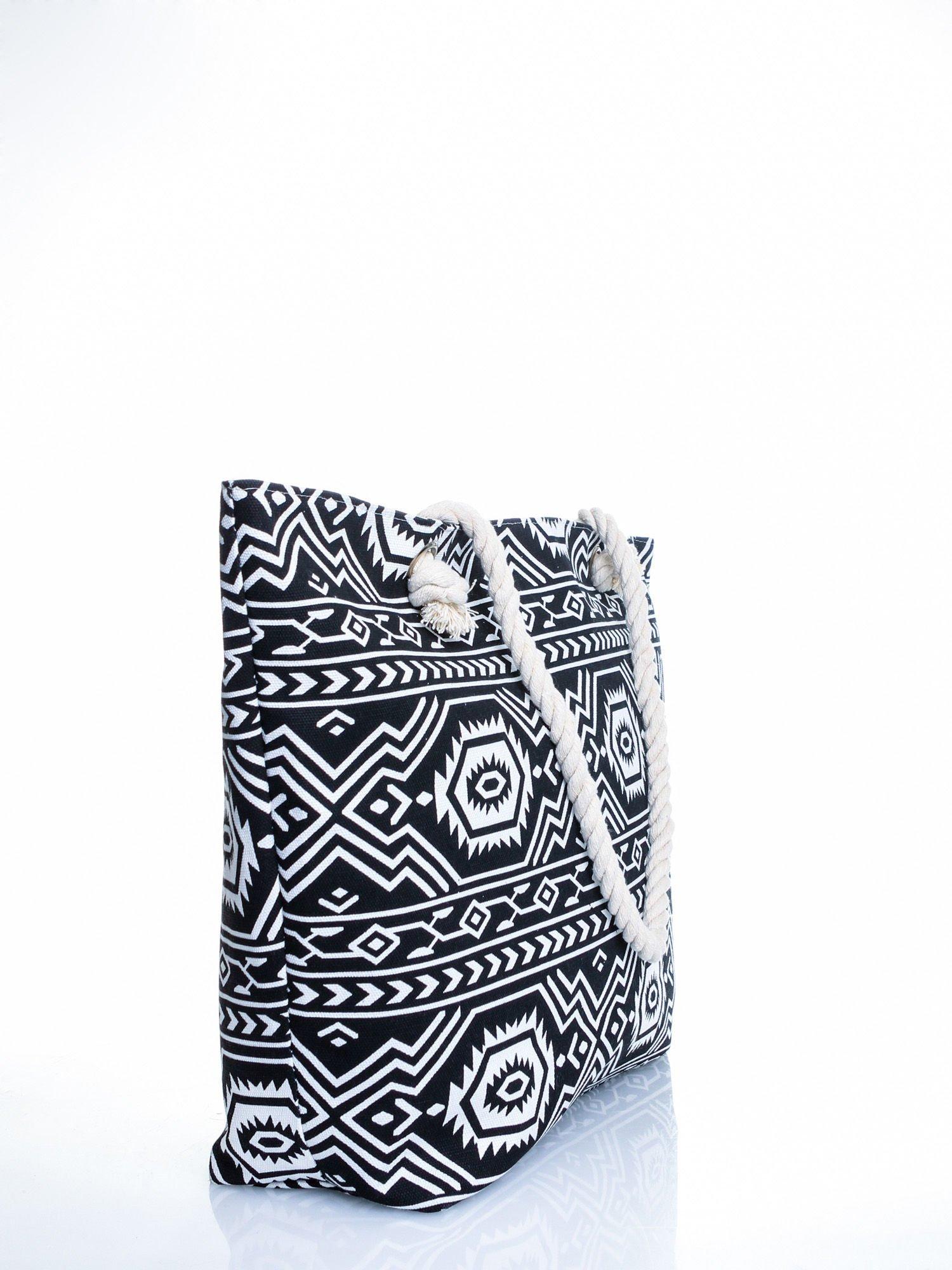 Czarno-biała torba plażowa w azteckie wzory                                  zdj.                                  3