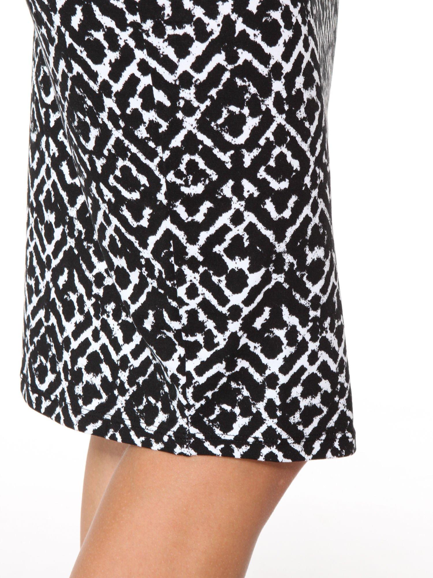 Czarno-biała wzorzysta spódnica ołówkowa                                  zdj.                                  9