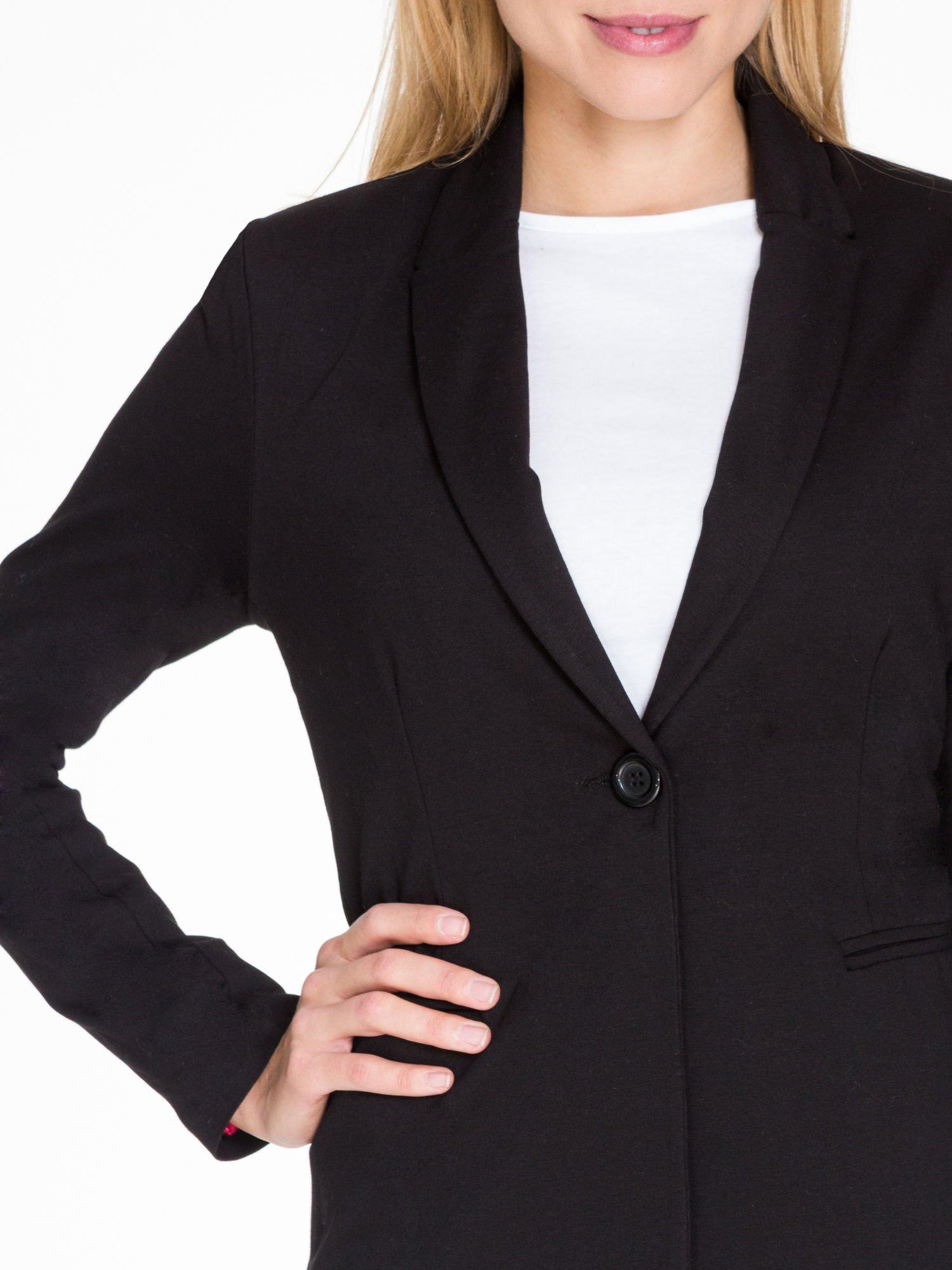 Czarny bawełniany żakiet damski na jeden guzik                                  zdj.                                  5