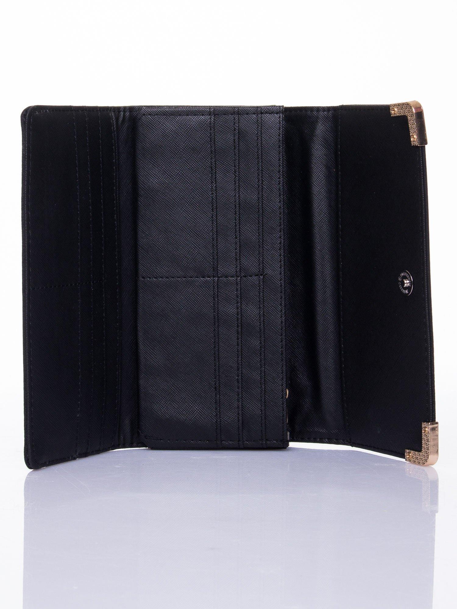 Czarny dziurkowany portfel ze złotym wykończeniem                                  zdj.                                  4
