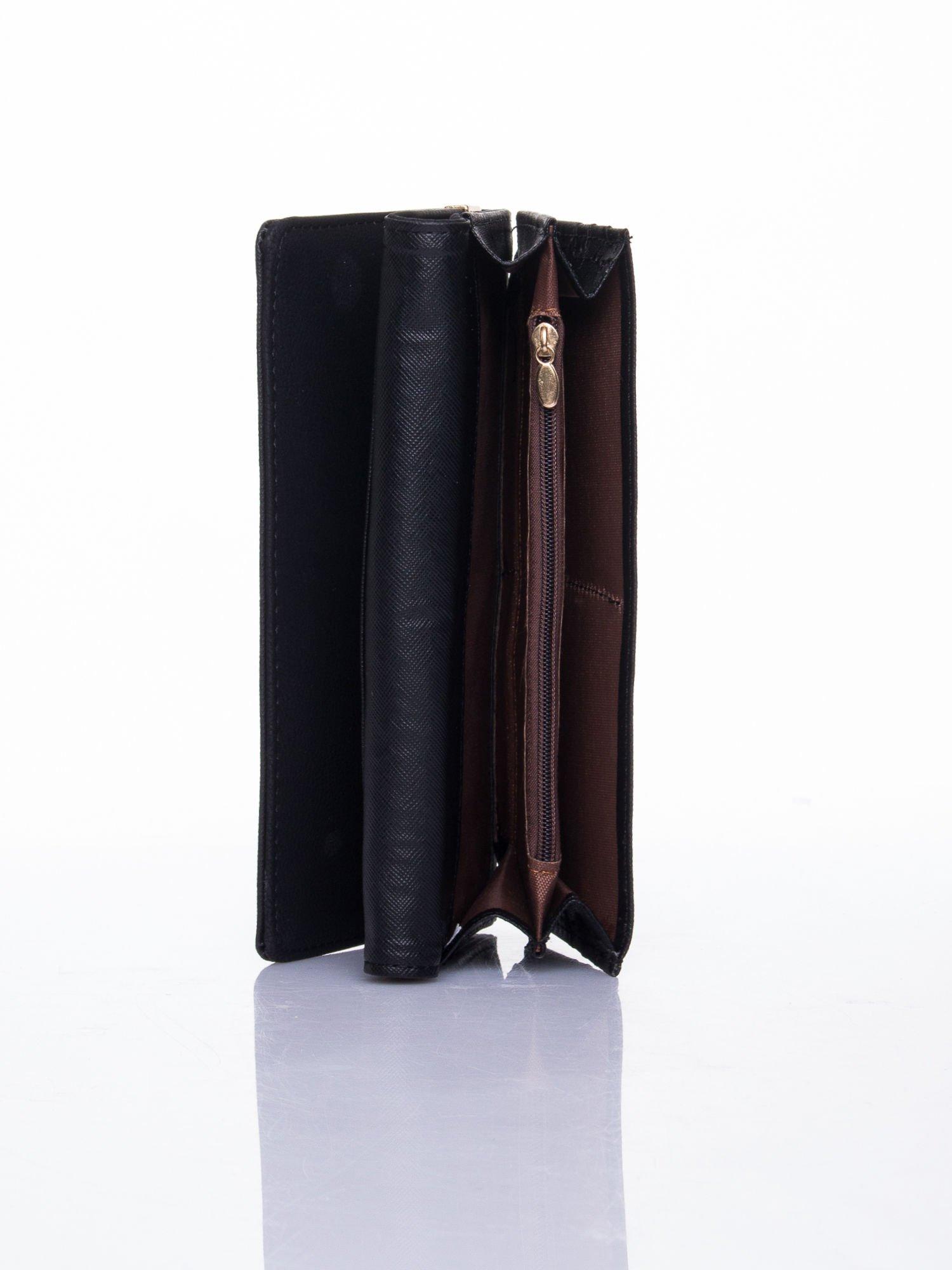 Czarny dziurkowany portfel ze złotym wykończeniem                                  zdj.                                  5