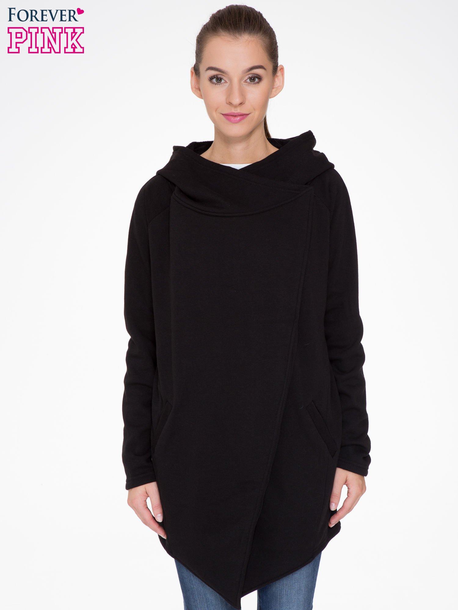 Czarny płaszcz dresowy z kapturem                                  zdj.                                  1