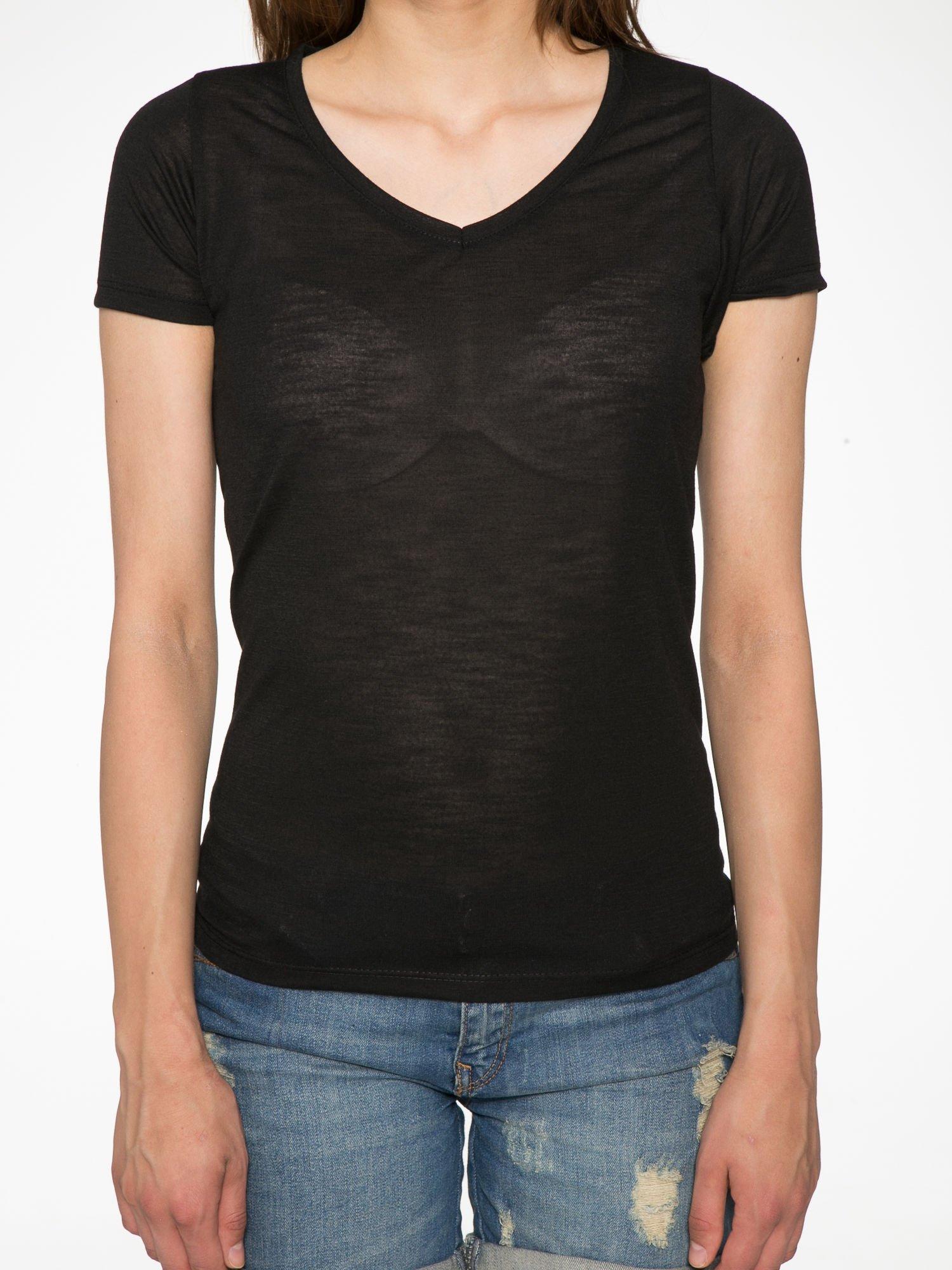Czarny półtransparentny t-shirt basic                                  zdj.                                  7