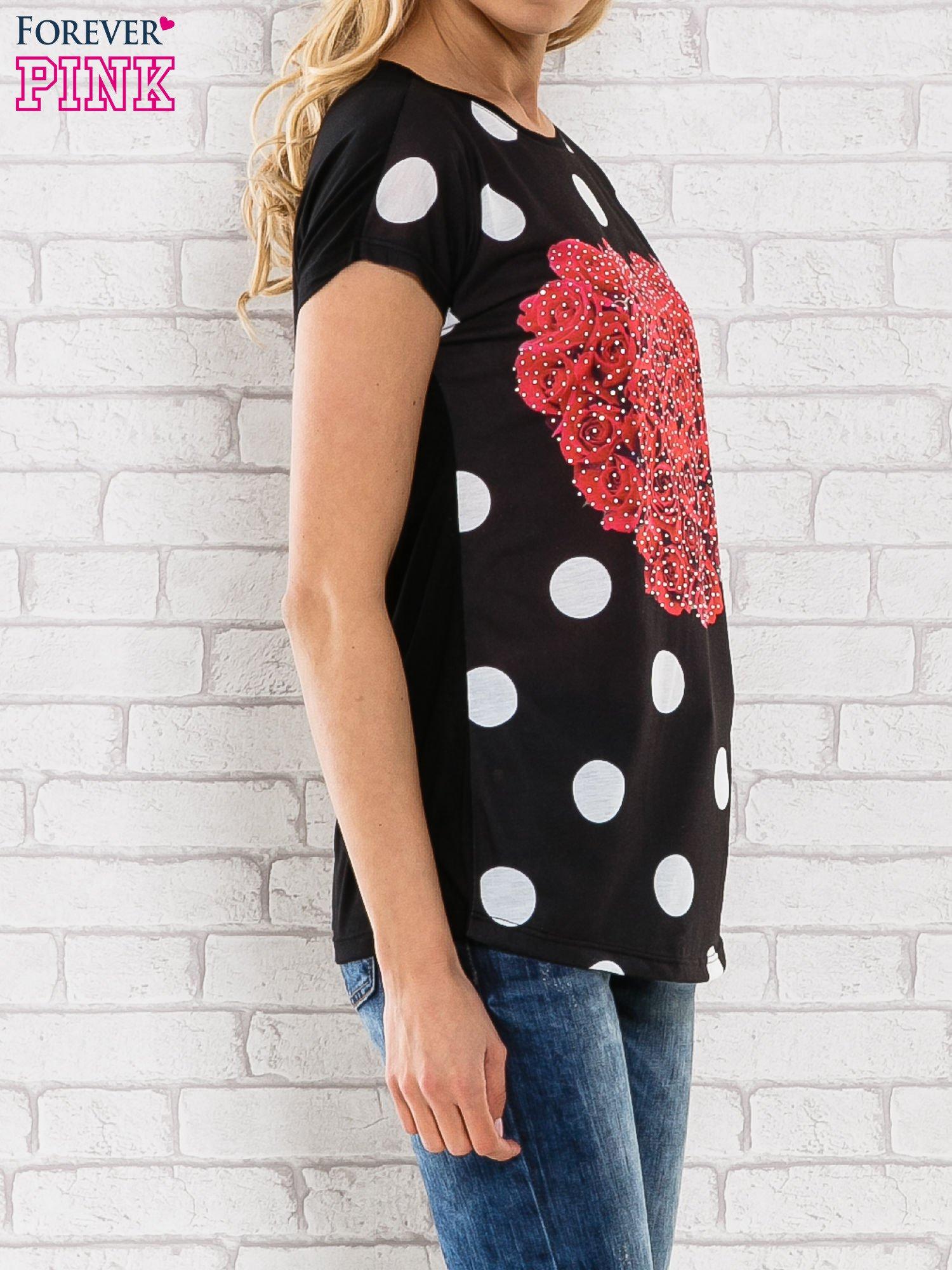 Czarny t-shirt w grochy z motywem kwiatowym                                  zdj.                                  3