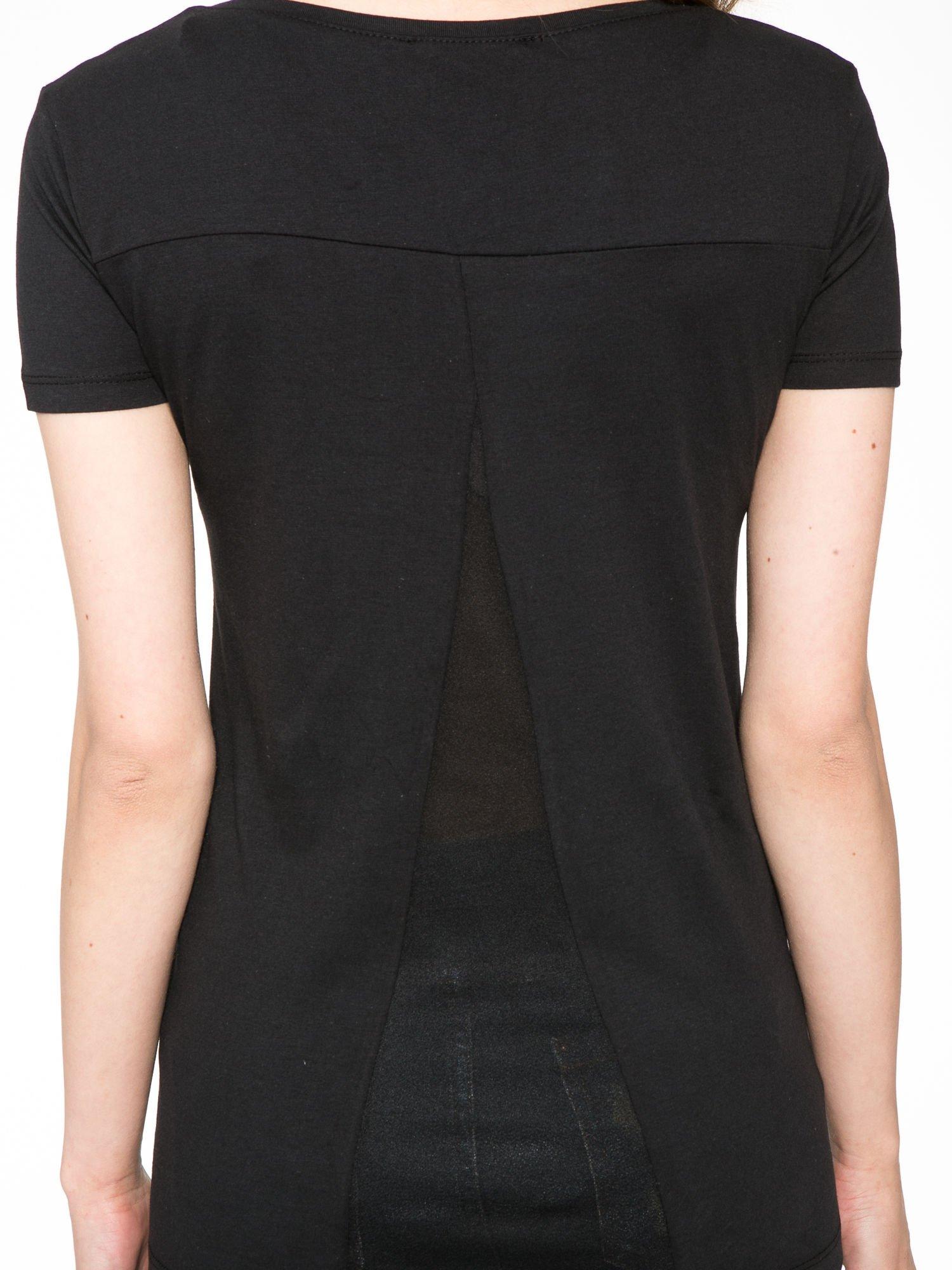 Czarny t-shirt z fotografiami miast                                  zdj.                                  11