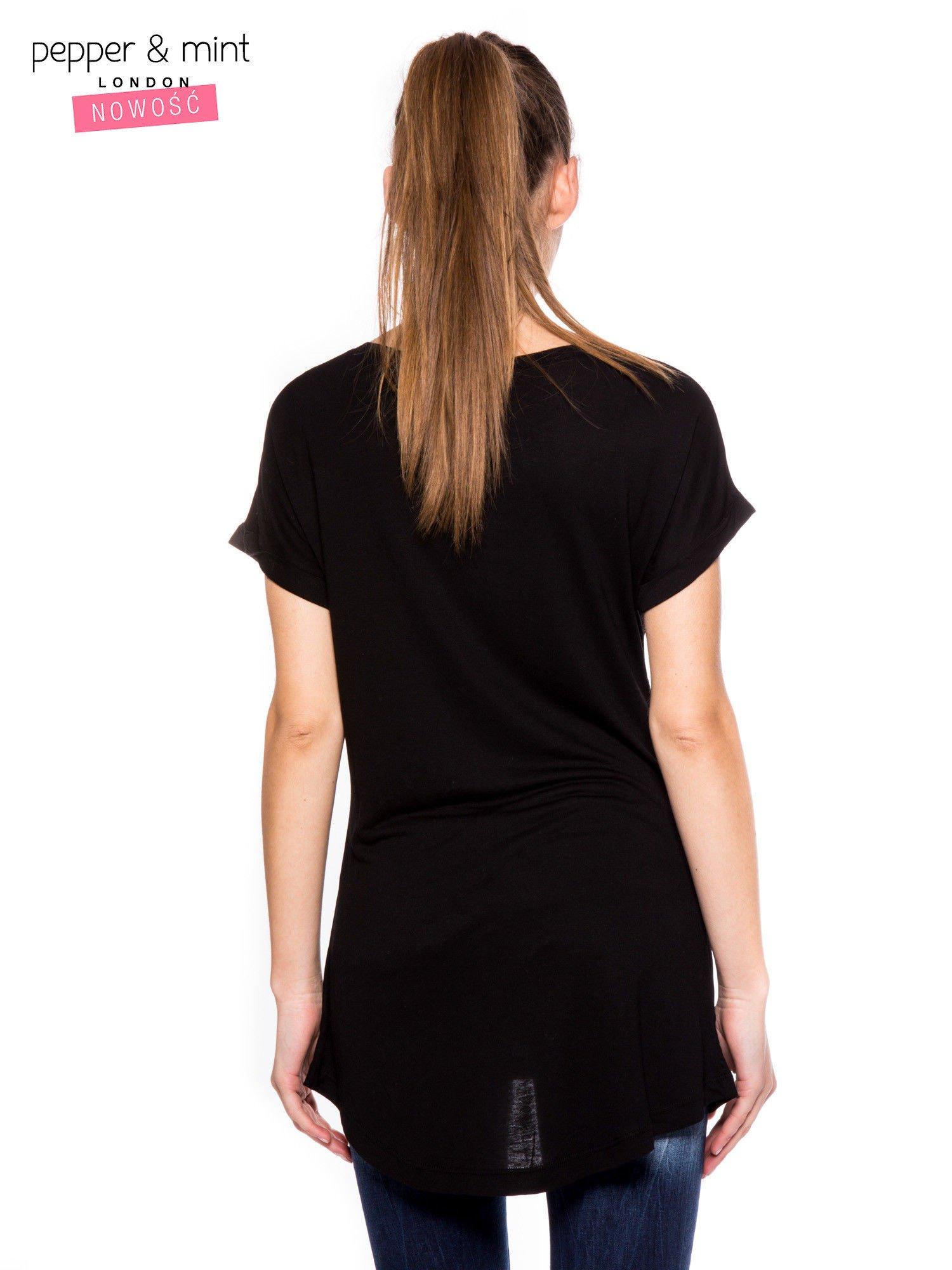 Czarny t-shirt z logo VOGUE                                  zdj.                                  3