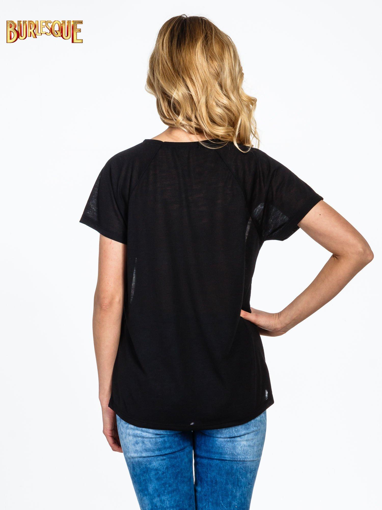 Czarny  t-shirt z motywem muzycznym                                  zdj.                                  4