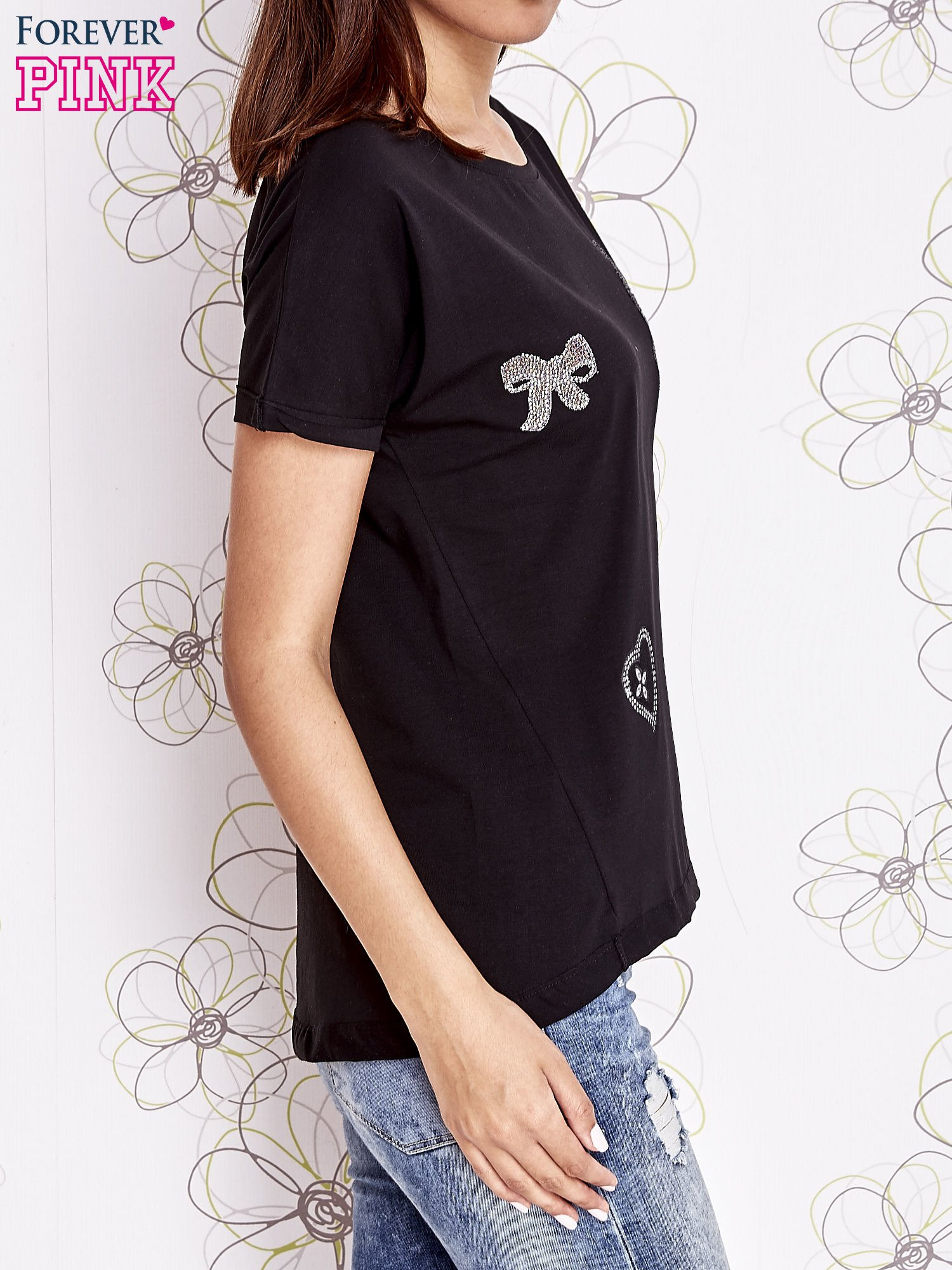 Czarny t-shirt z motywem serca i kokardki                                  zdj.                                  5