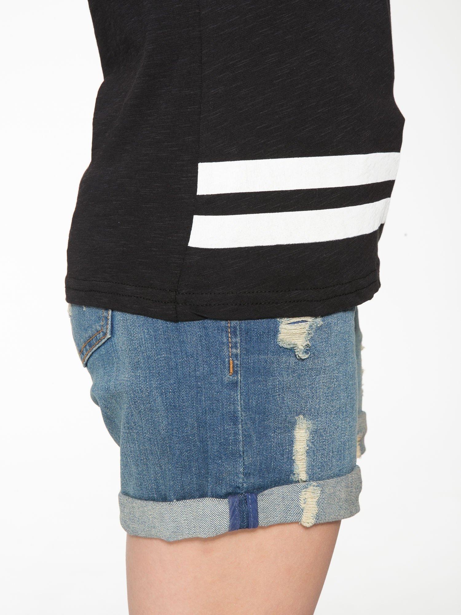 Czarny t-shirt z nadrukiem numerycznym w stylu baseball                                  zdj.                                  10