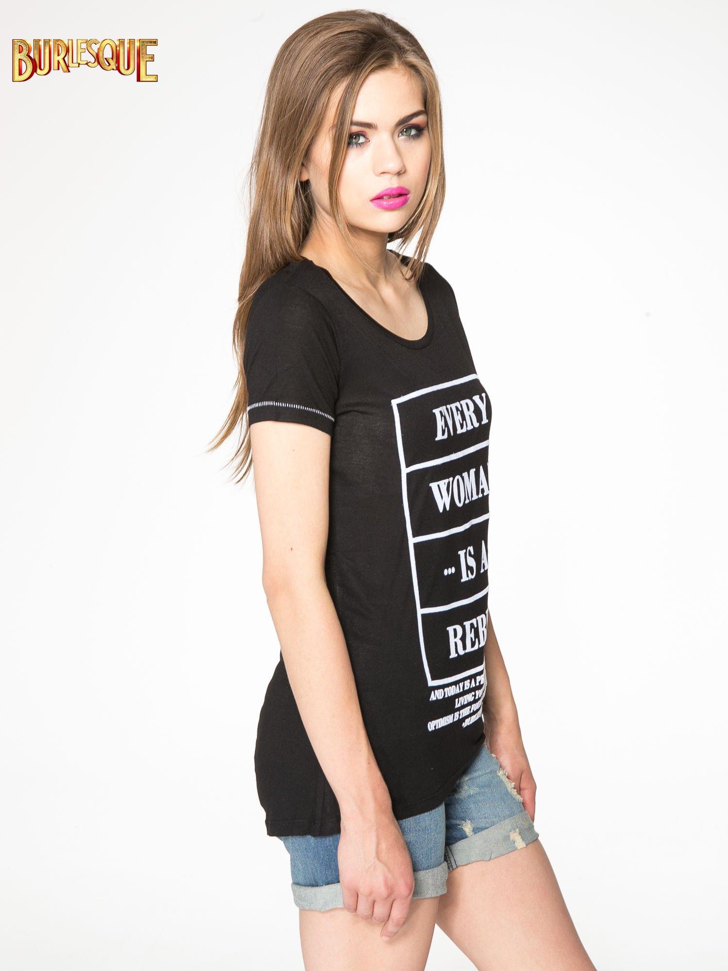 Czarny t-shirt z napisem EVERY WOMAN IS A REBEL                                  zdj.                                  3
