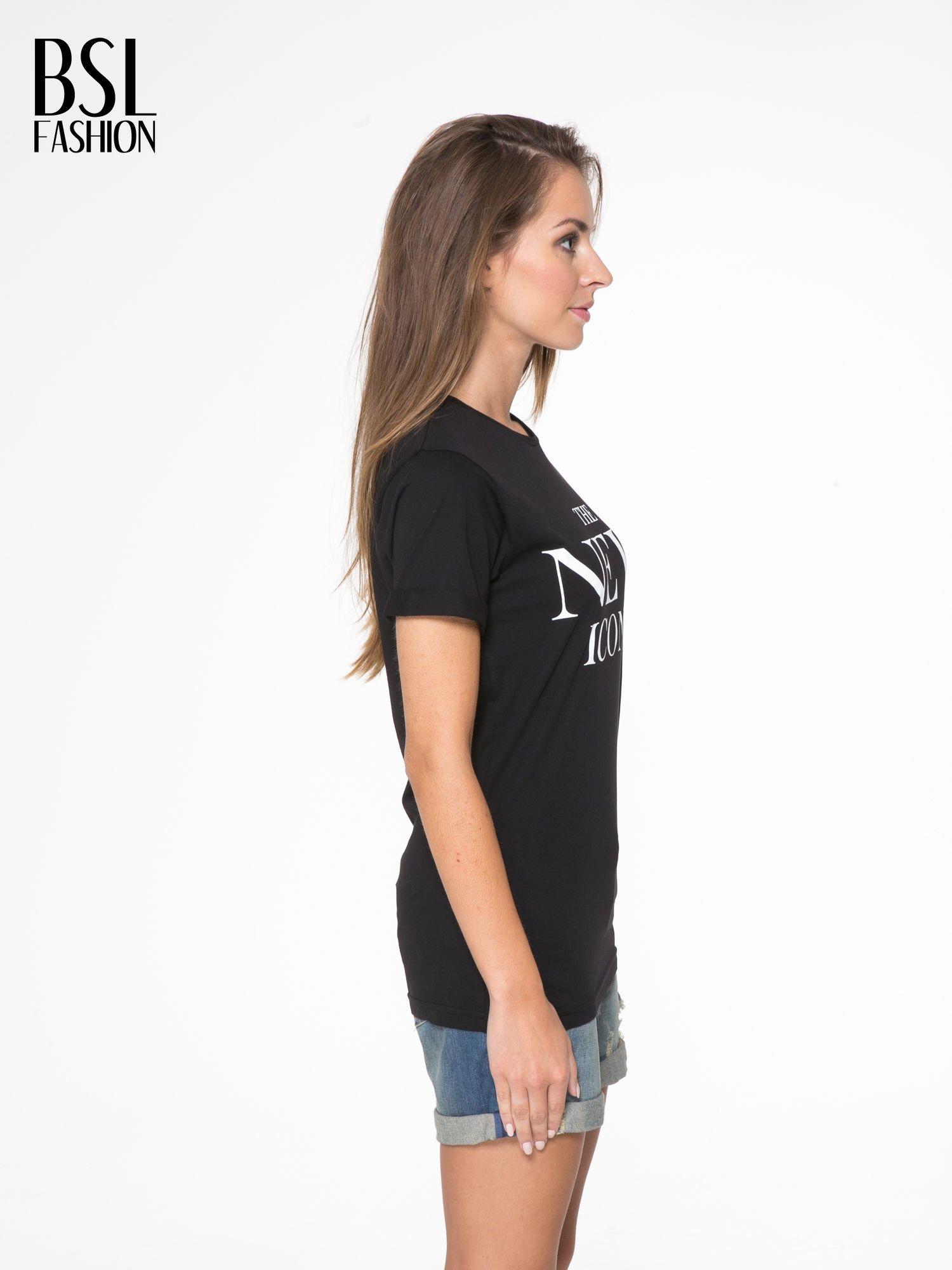 Czarny t-shirt z napisem THE NEW ICONS                                  zdj.                                  3