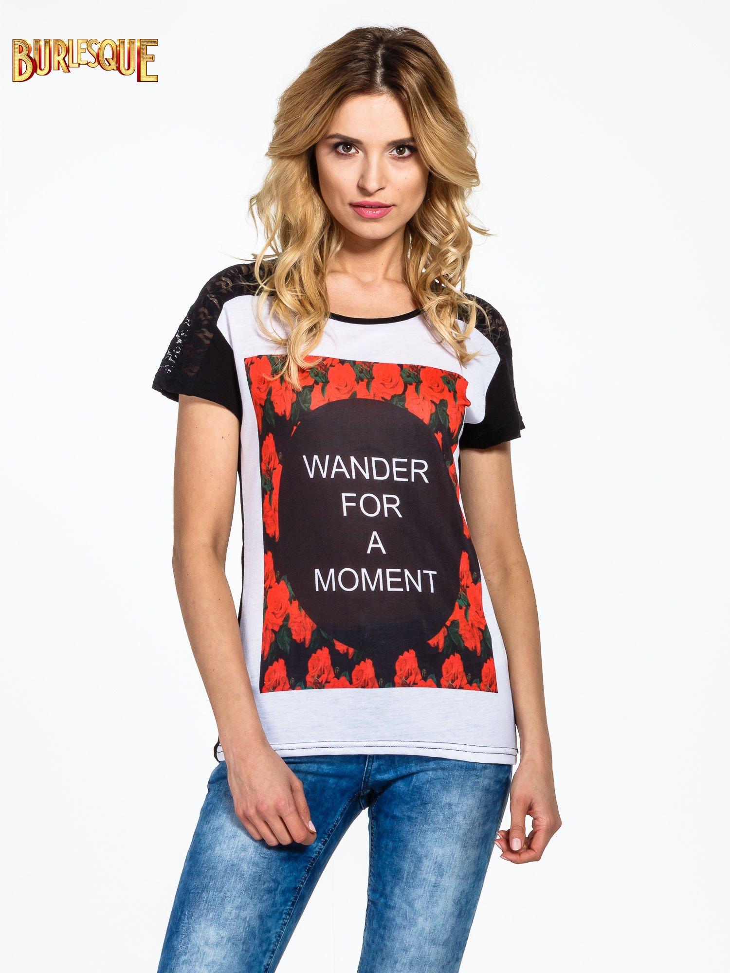Czarny t-shirt z napisem WONDER FOR A MOMENT                                  zdj.                                  1