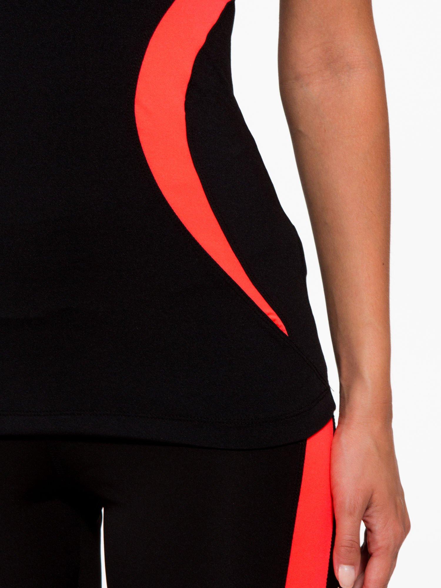 Czarny termoaktywny t-shirt sportowy z siateczką przy dekolcie z fluoróżową wstawką ♦ Performance RUN                                  zdj.                                  7