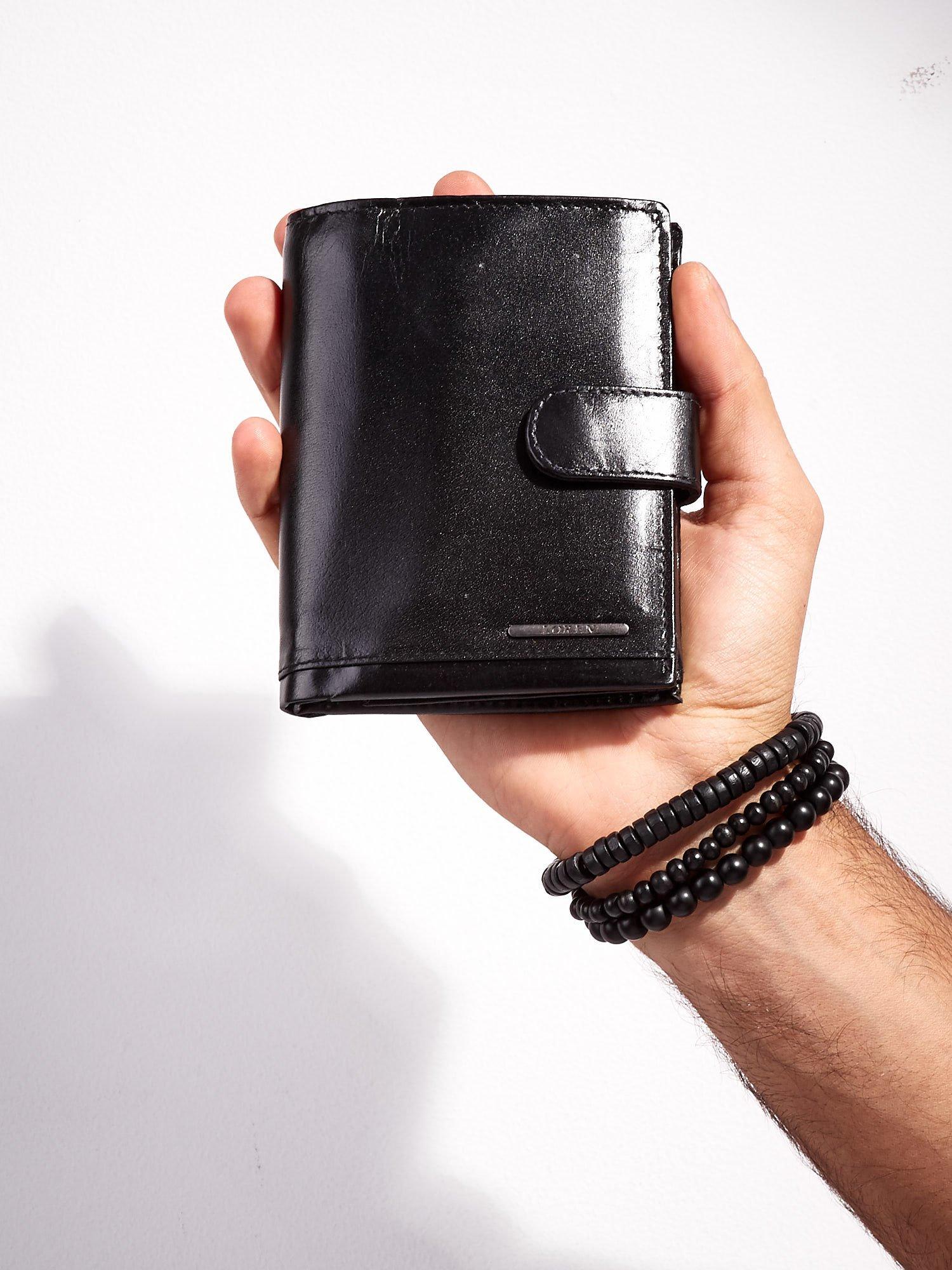 0bfae147f3c1b Czarny zapinany portfel skórzany dla mężczyzny - Mężczyźni portfel męski -  sklep eButik.pl