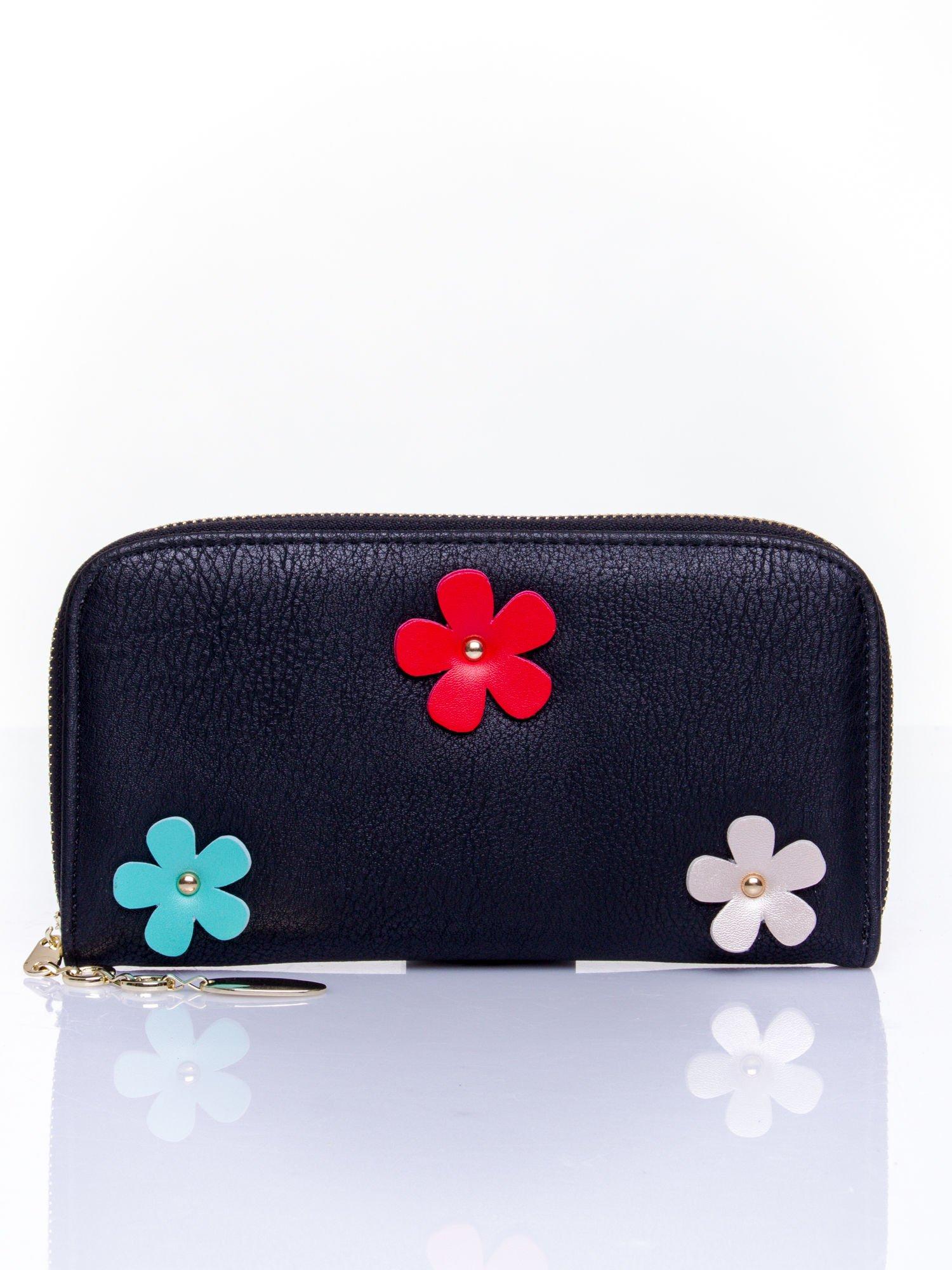 Czarny zasuwany portfel w kwiatki                                  zdj.                                  1
