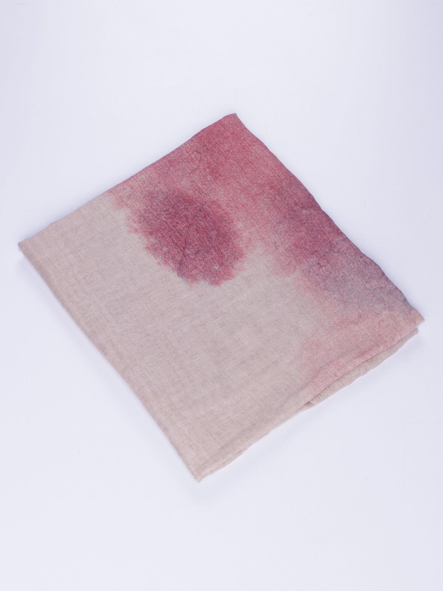 Czerwona chusta z efektem ombre                                  zdj.                                  2