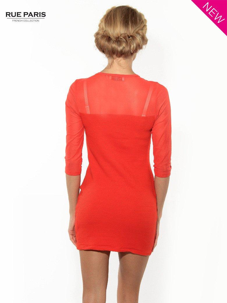 Czerwona dopasowana sukienka pokryta na górze siateczką                                  zdj.                                  4