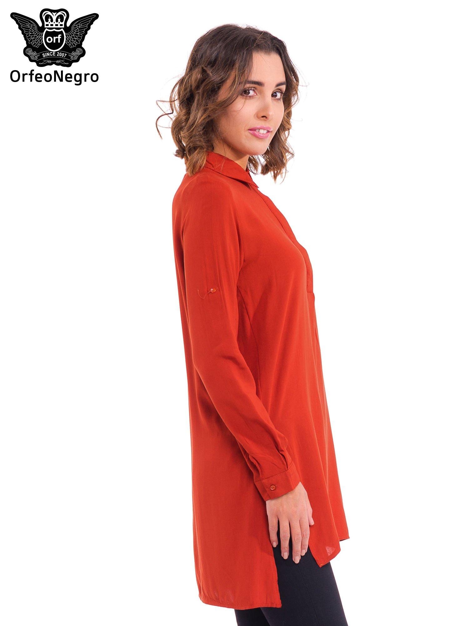 Czerwona koszulotunika z rozcięciami                                  zdj.                                  3