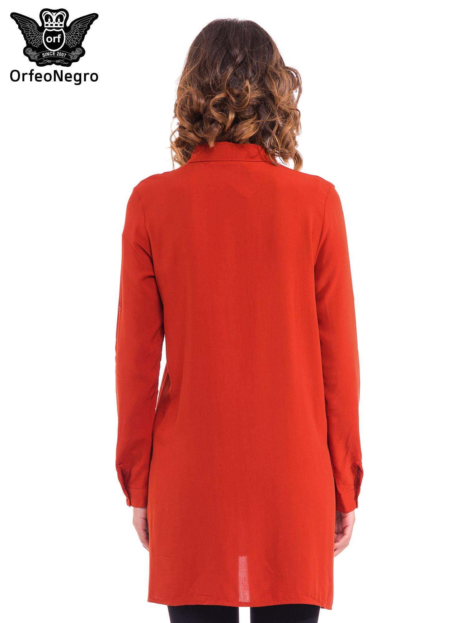 Czerwona koszulotunika z rozcięciami                                  zdj.                                  4
