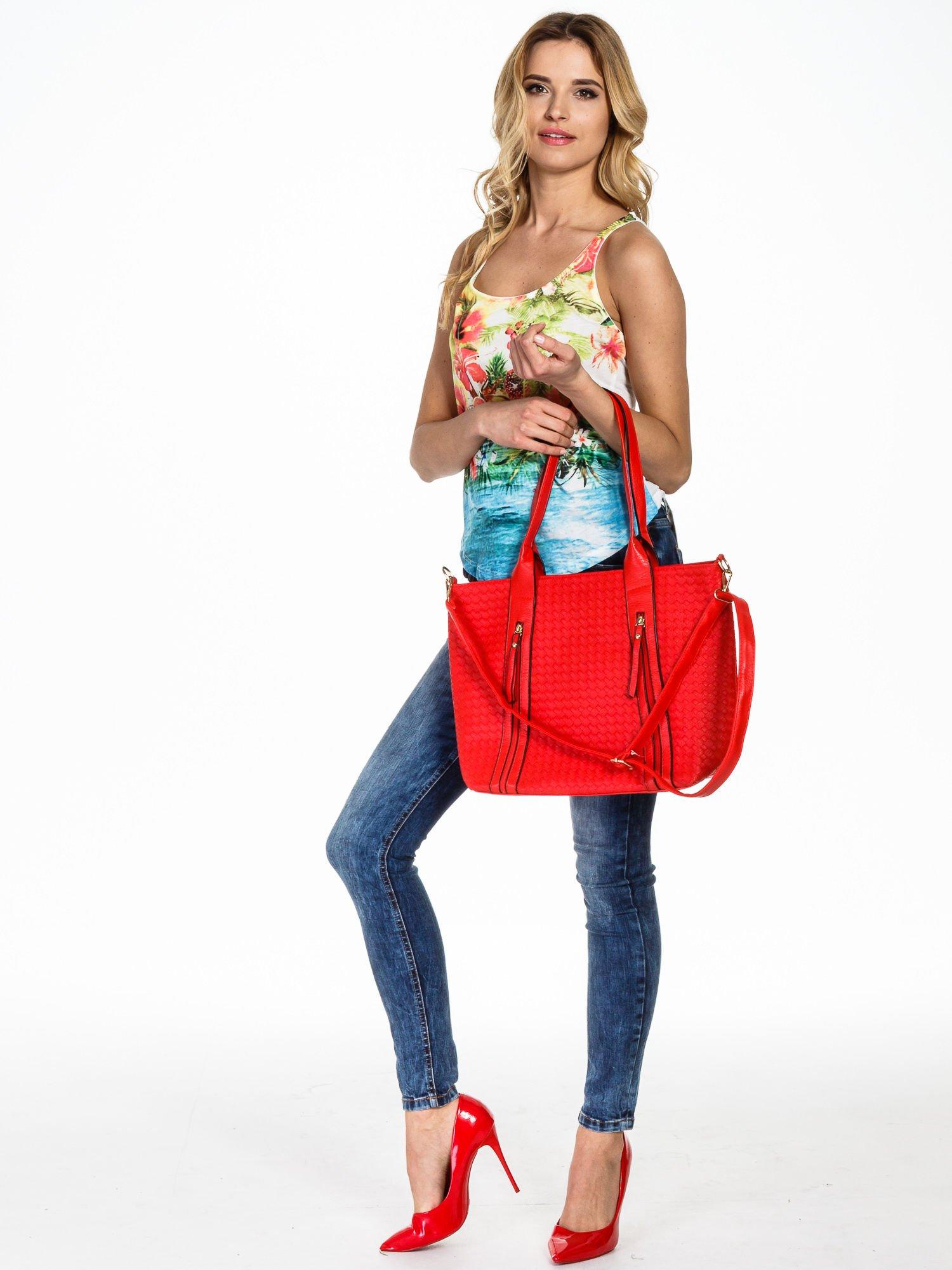 Czerwona pleciona torebka z suwakami                                  zdj.                                  6