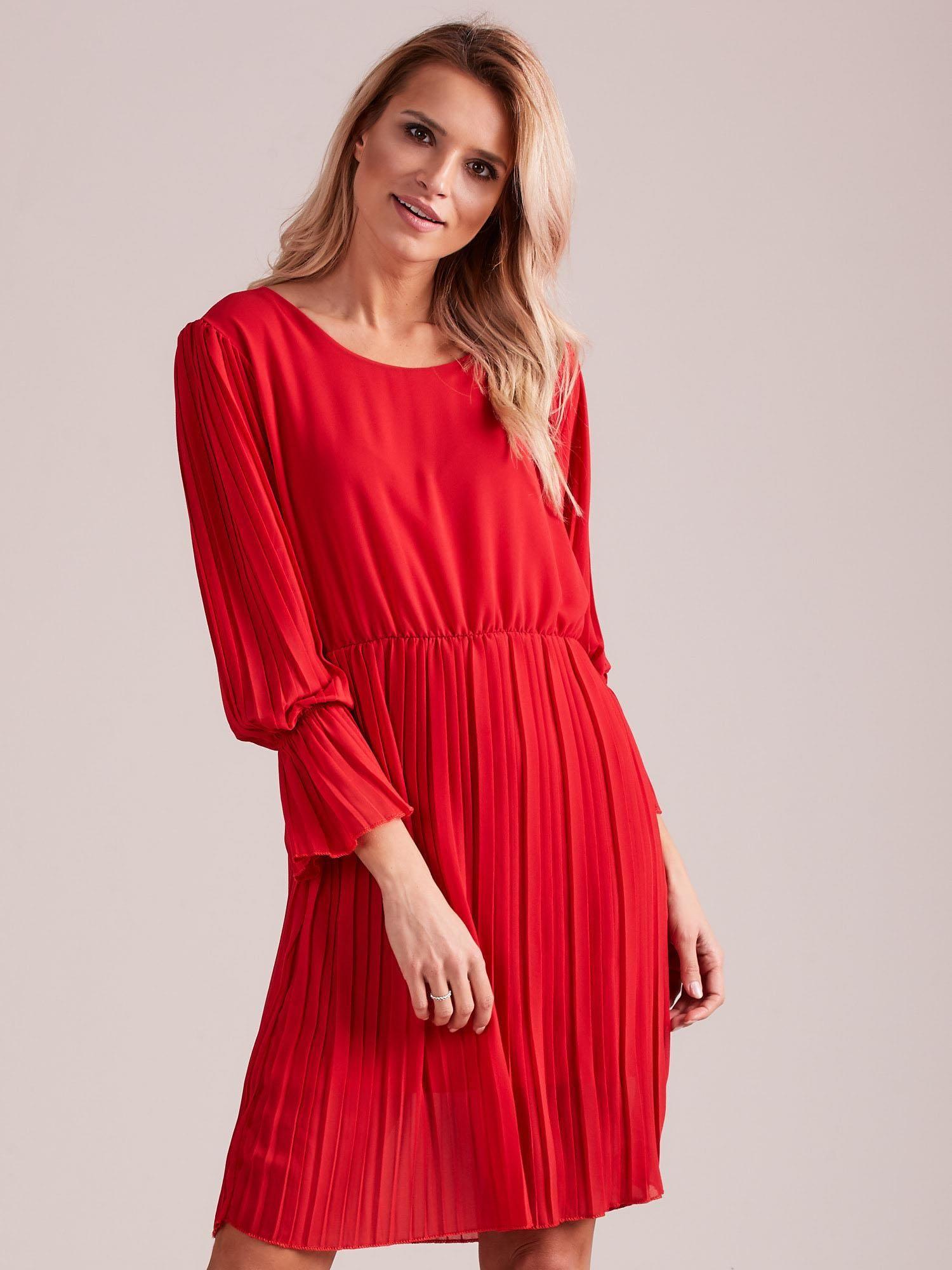 8be35d7a49a3ab Czerwona plisowana sukienka - Sukienka koktajlowa - sklep eButik.pl