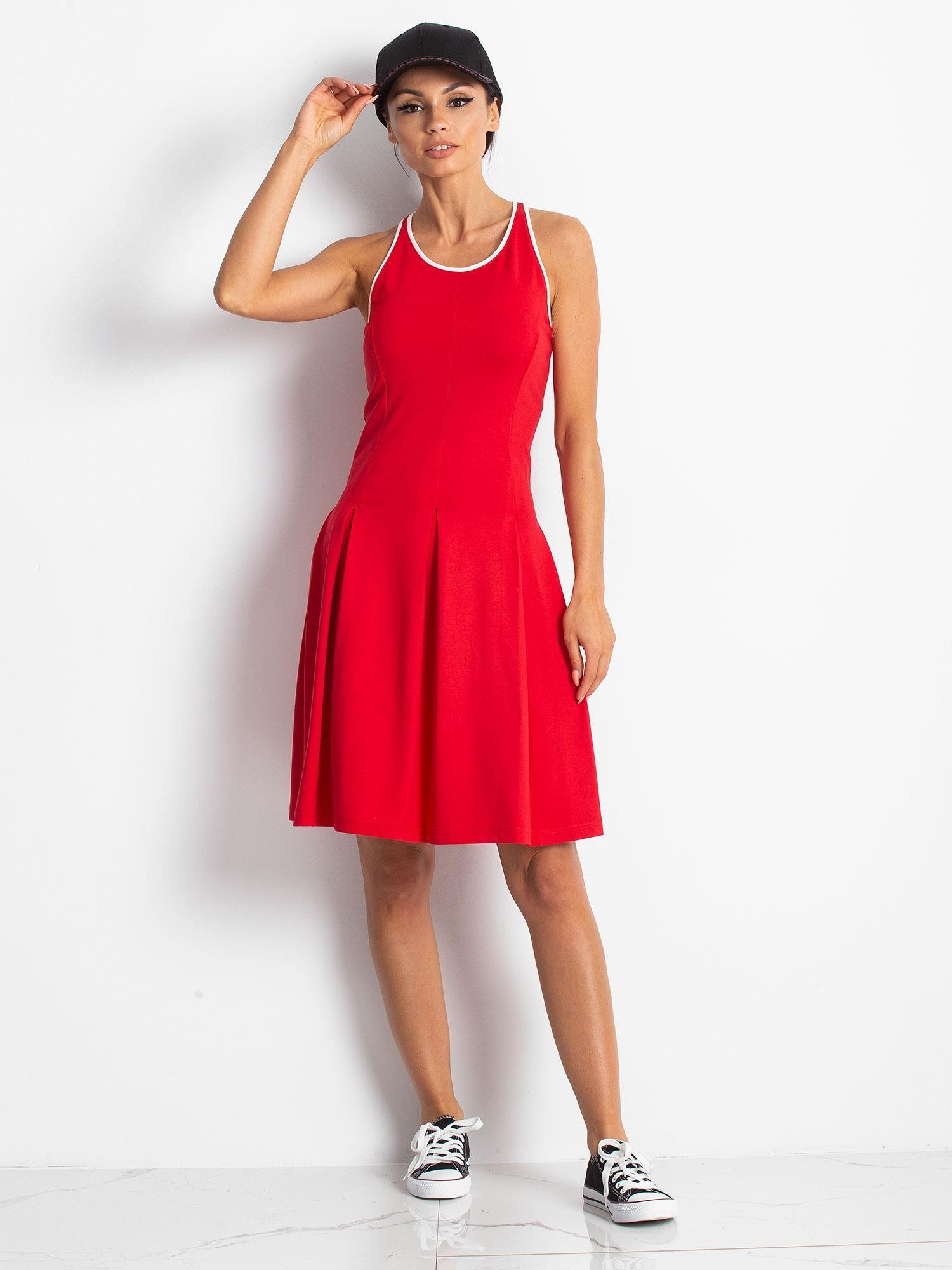 Czerwona rozkloszowana sukienka z dekoltem typu bokserka                                  zdj.                                  10