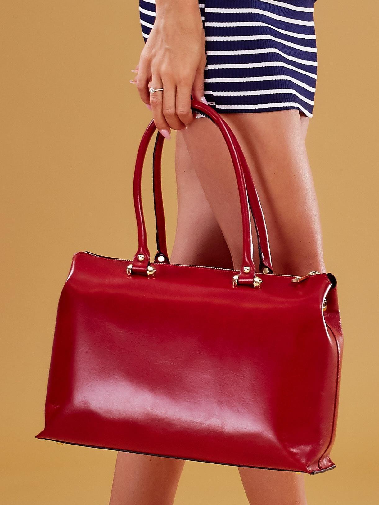 60bb554374ee5 Czerwona skórzana torba damska kuferek - Akcesoria torba - sklep ...