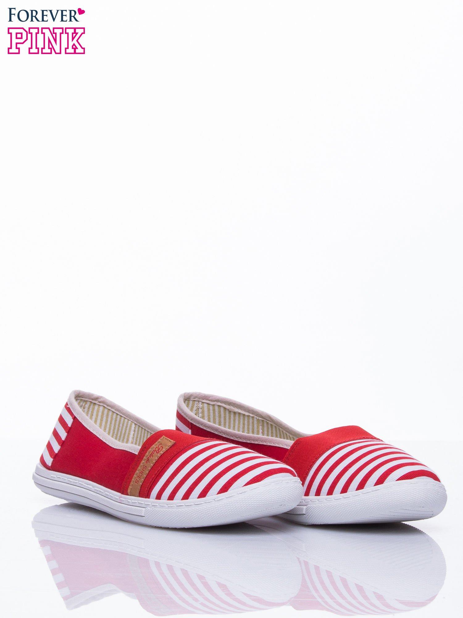 Czerwone buty sliponki w paski                                  zdj.                                  3