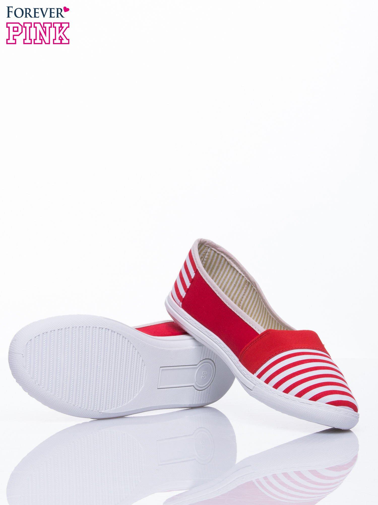 Czerwone buty sliponki w paski                                  zdj.                                  5