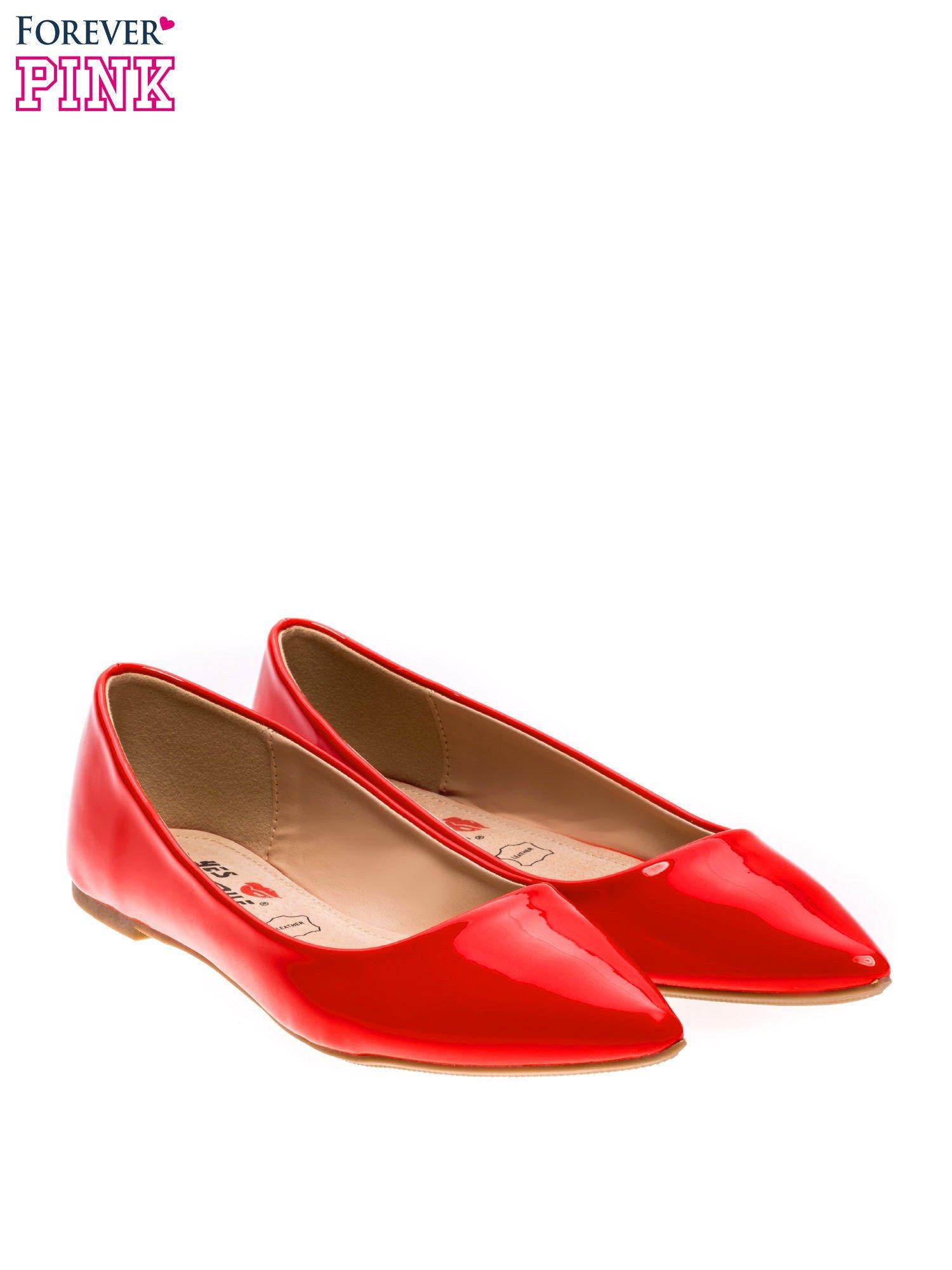 Czerwone lakierowane baleriny w szpic                                  zdj.                                  3