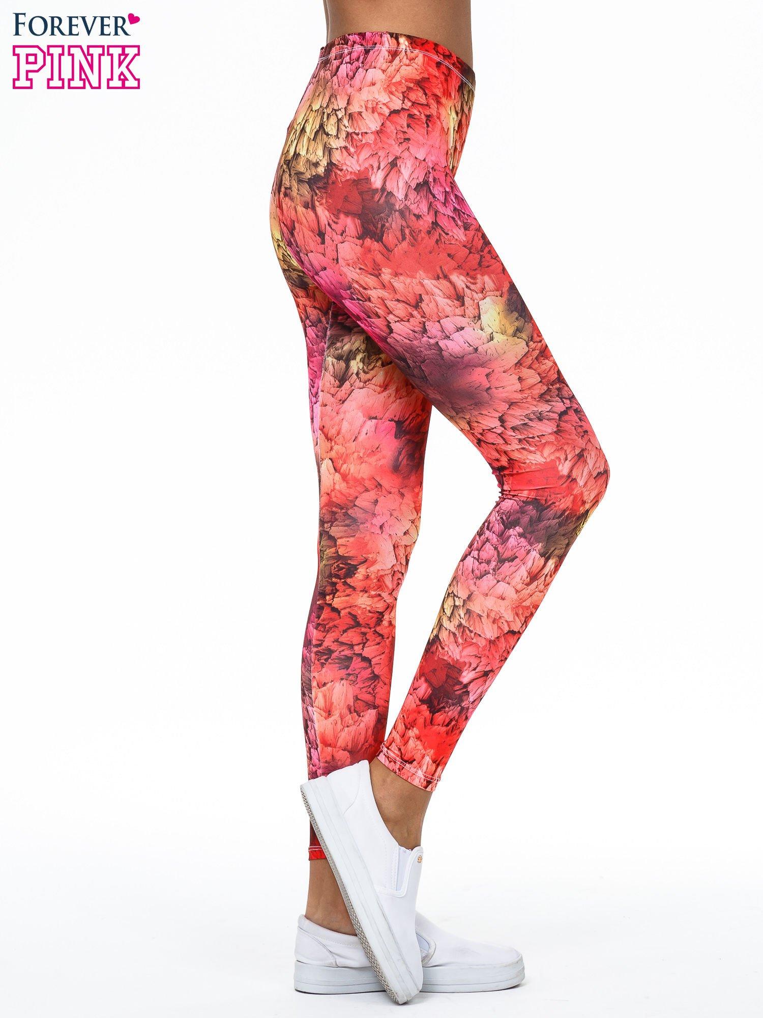 Czerwone legginsy w graficzne wzory                                  zdj.                                  3