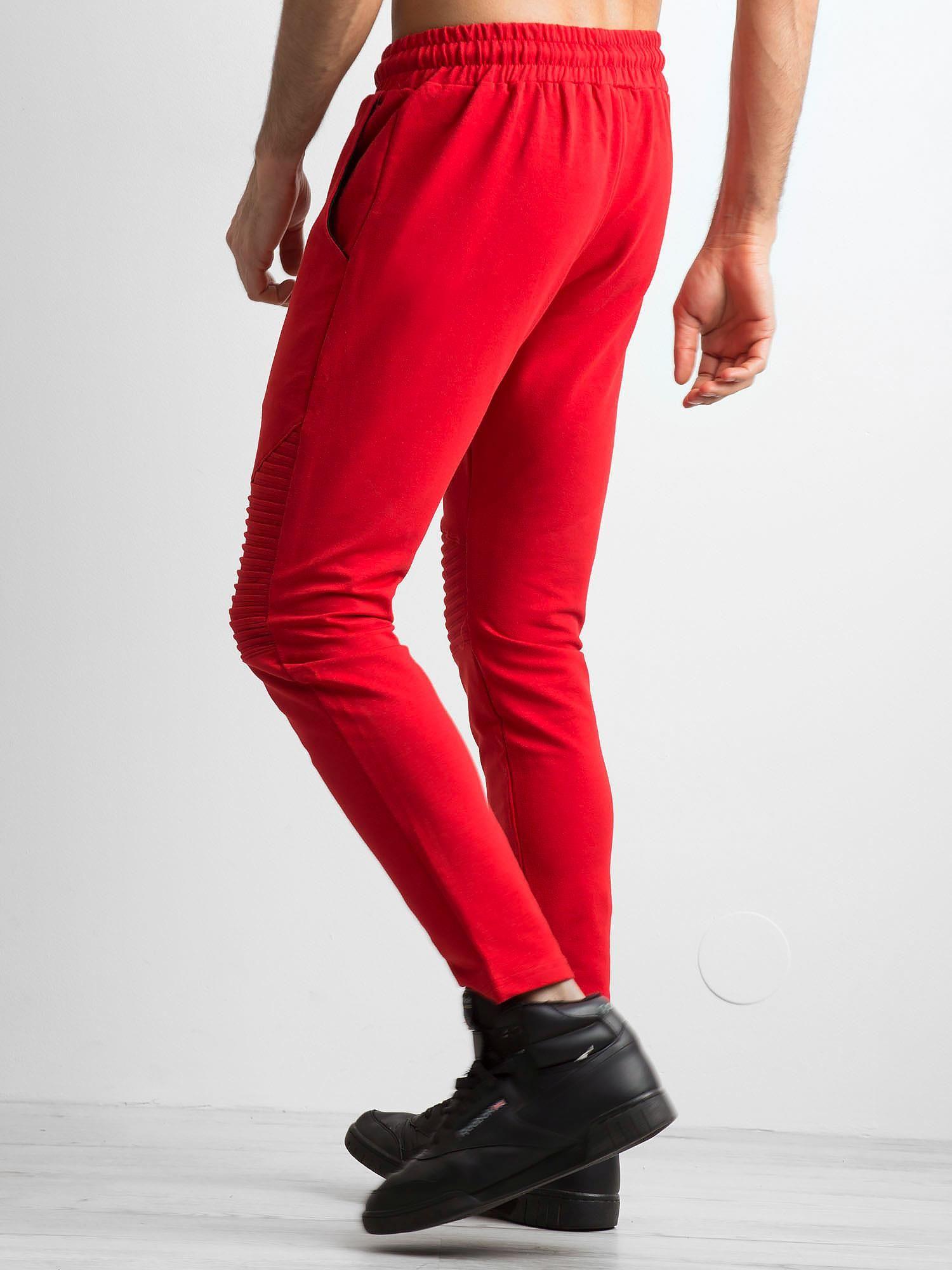 b8cf62ecb Czerwone męskie spodnie dresowe z przeszyciami - Mężczyźni Spodnie dresowe  męskie - sklep eButik.pl
