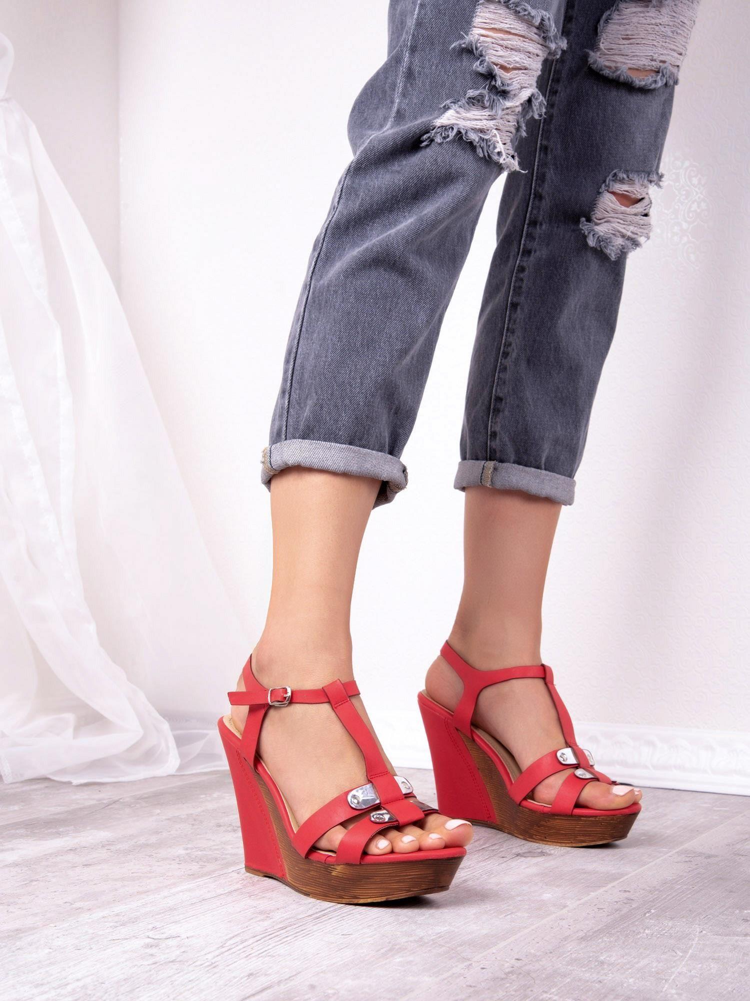 420f2a231fbd5e Czerwone sandały Sergio Leone na koturnach - Buty Sandały na ...