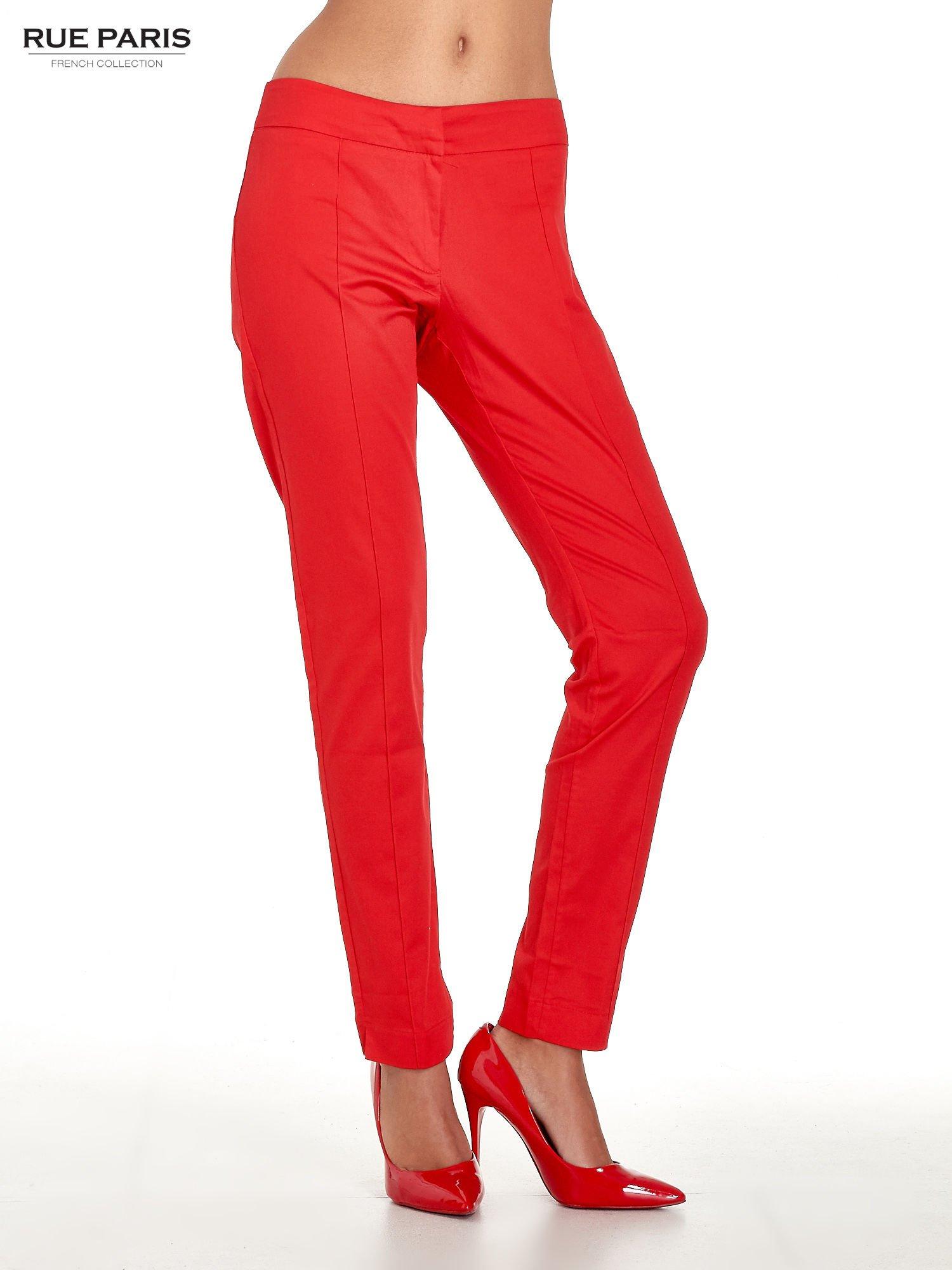 Czerwone spodnie cygaretki w kant                                  zdj.                                  1