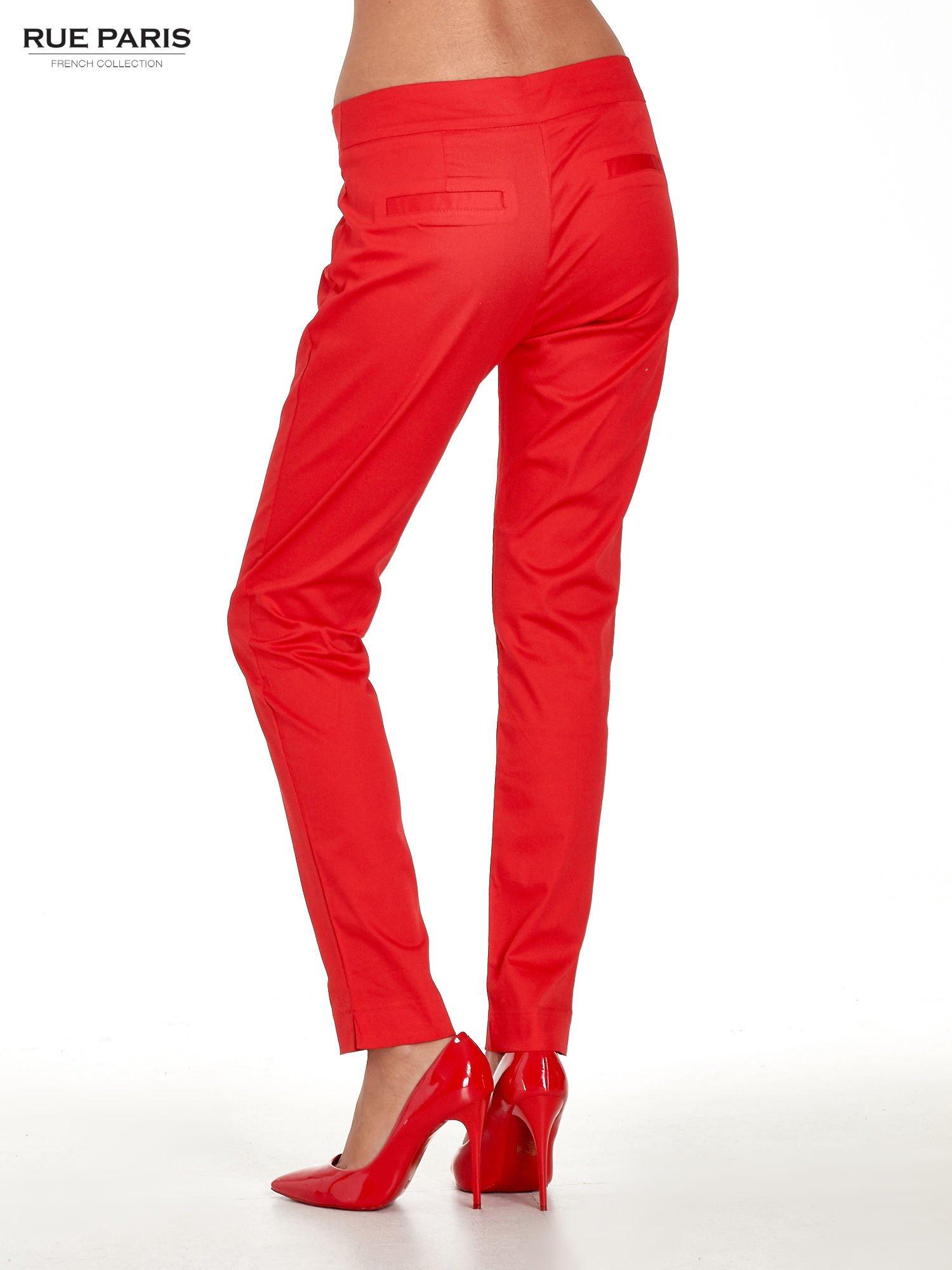Czerwone spodnie cygaretki w kant                                  zdj.                                  3
