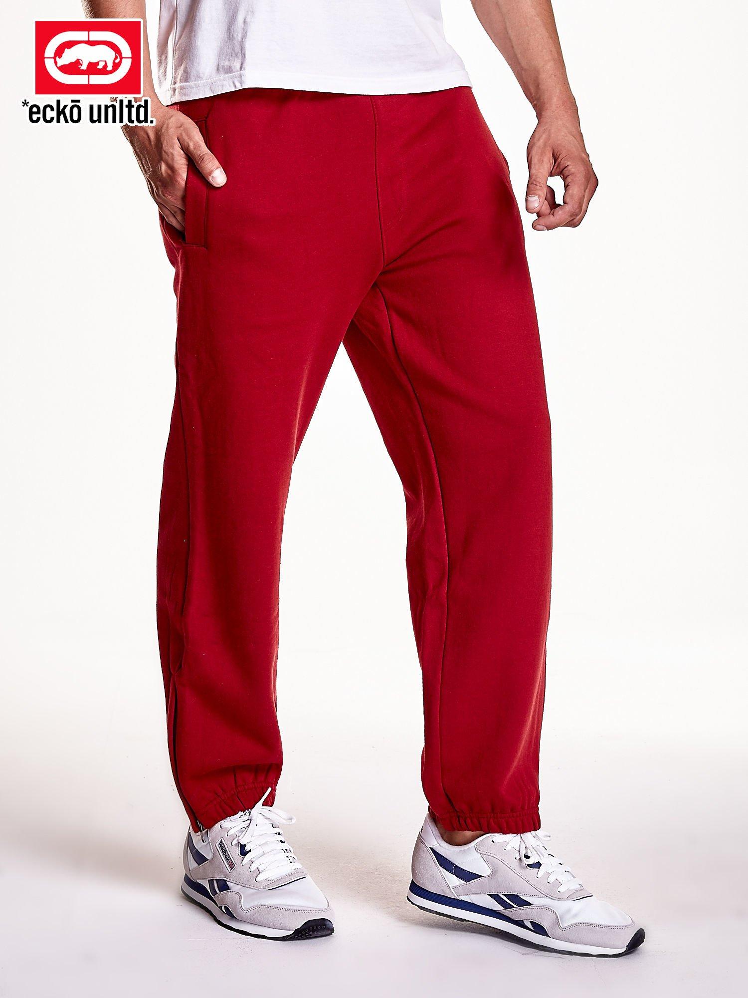 9195037eb Czerwone spodnie dresowe męskie z suwakami na nogawkach - Mężczyźni ...