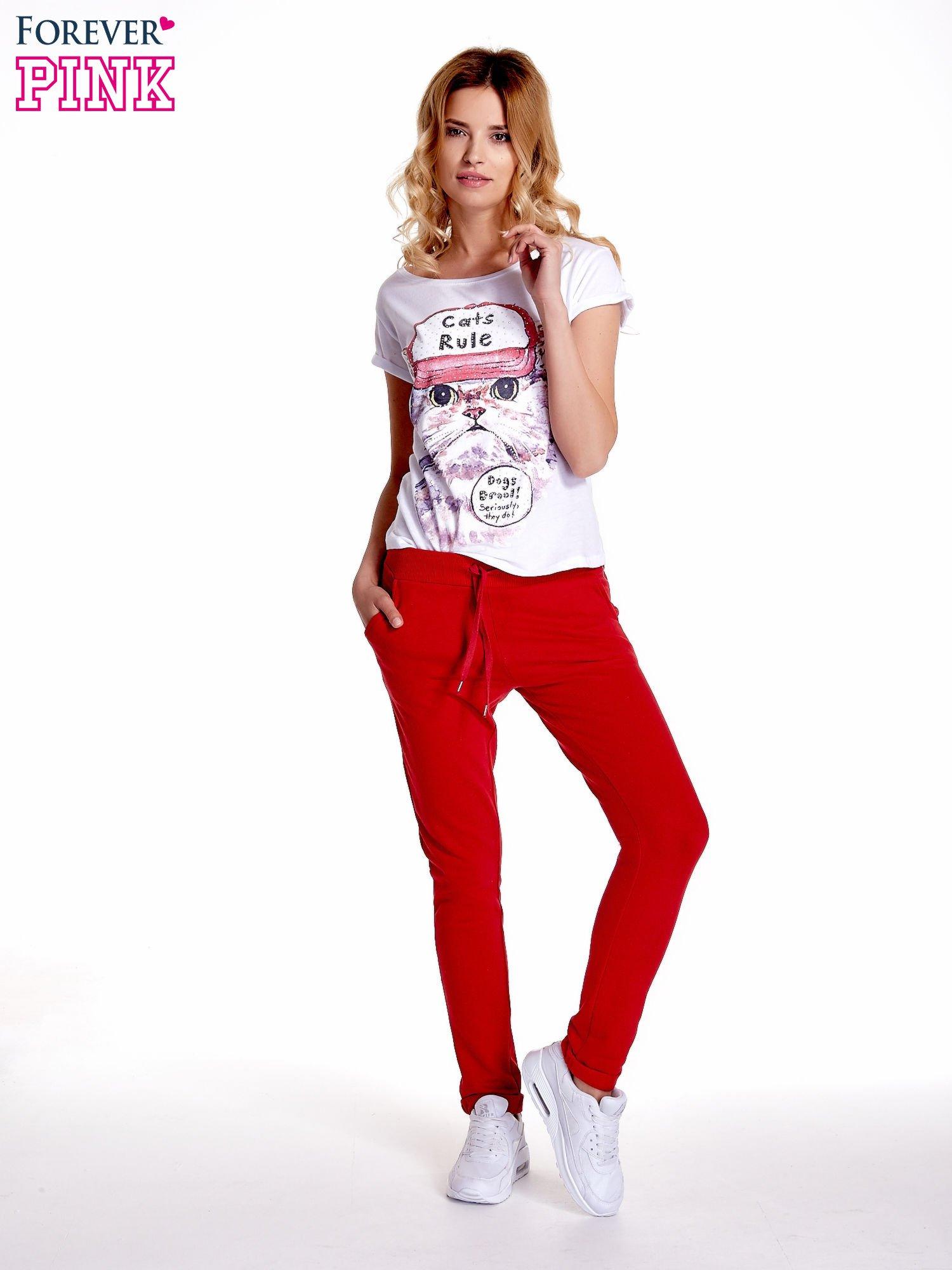 Czerwone spodnie dresowe z prostą nogawką                                  zdj.                                  7