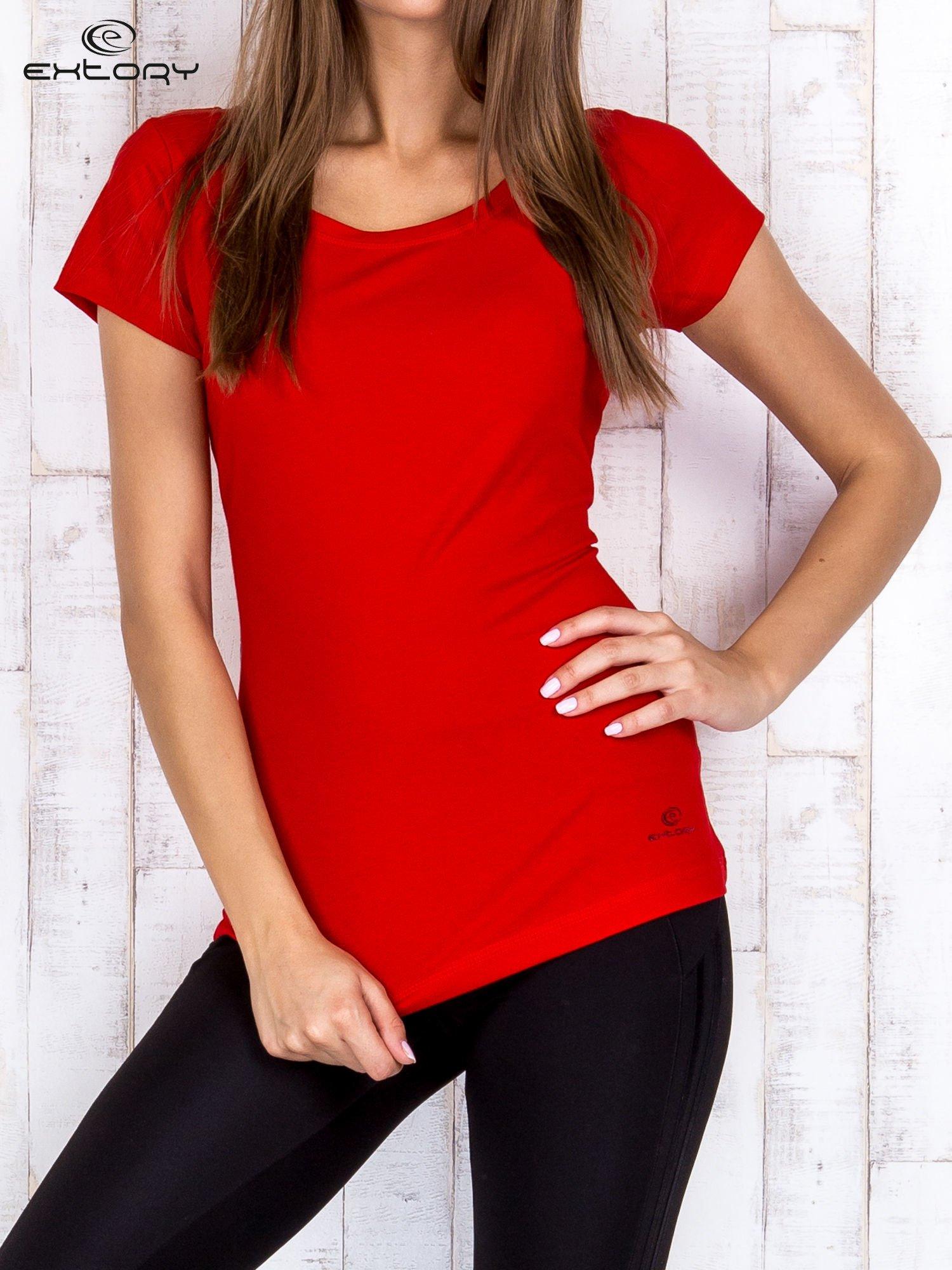 Czerwony damski t-shirt sportowy basic PLUS SIZE                                  zdj.                                  1